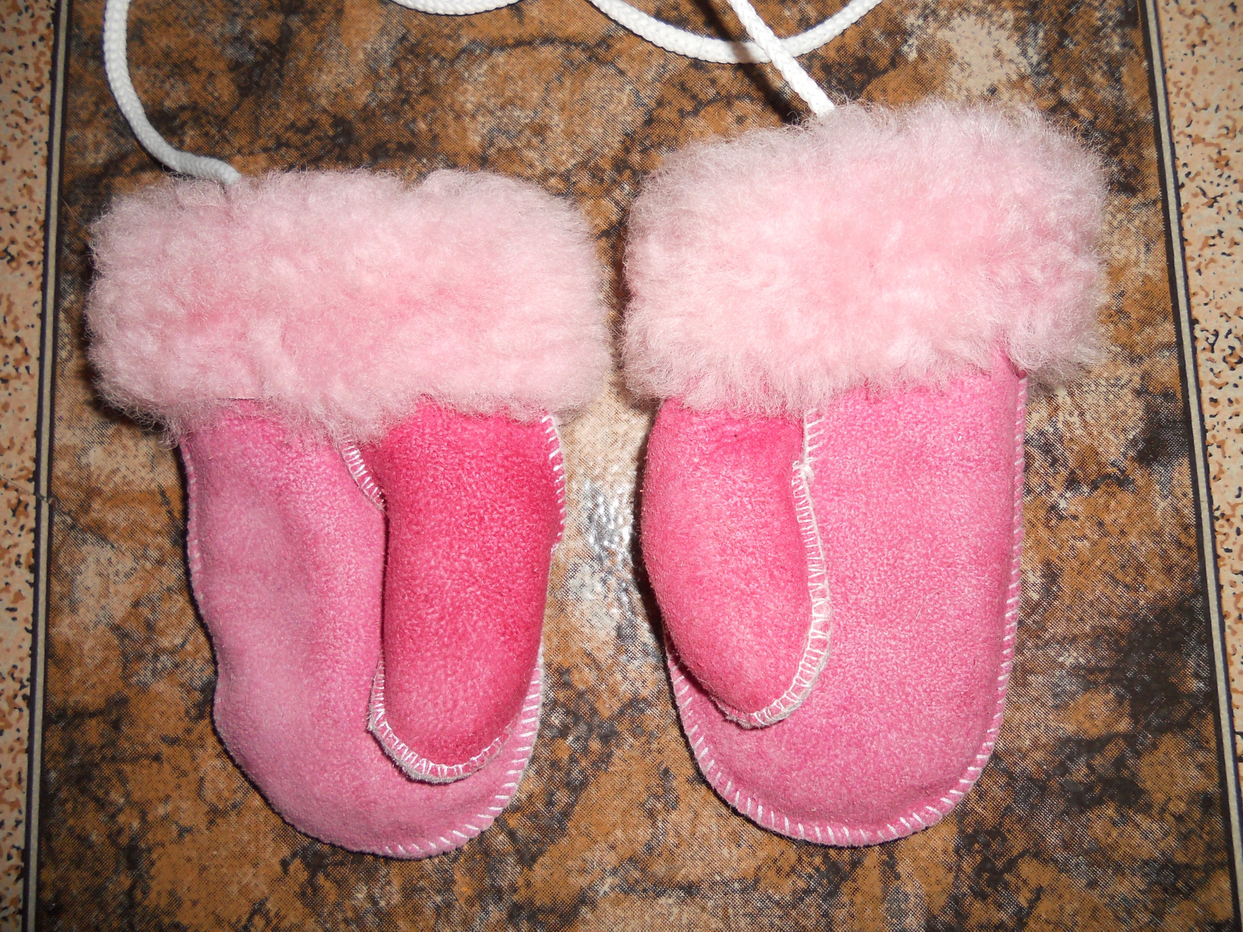 UGG skórzane rękawiczki dla niemowlaka