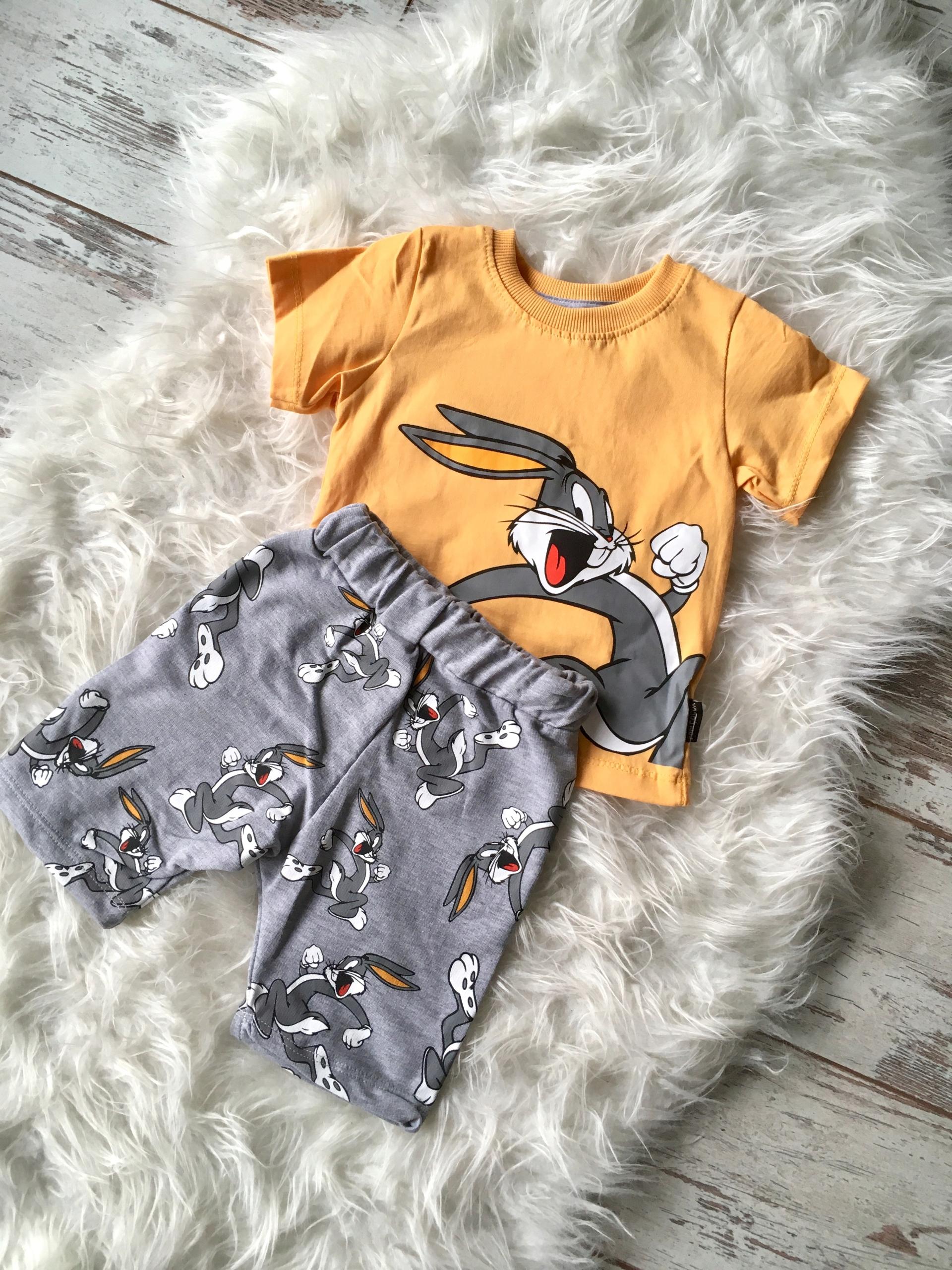 Komplet chłopiec królik bugs t-shirt spodenki 4 L