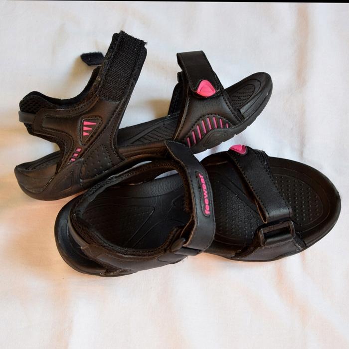 sandały czarne sportowe na rzepy 37