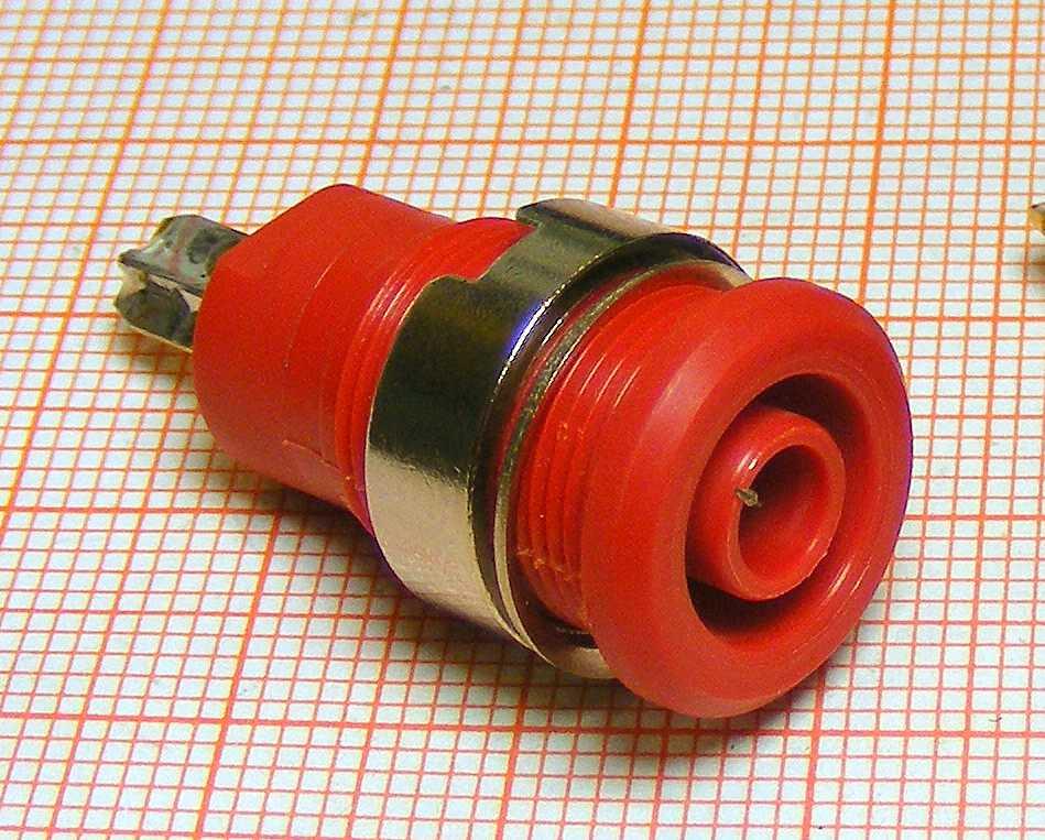Gniazdo otwór fi 4mm [G14-P]czerw
