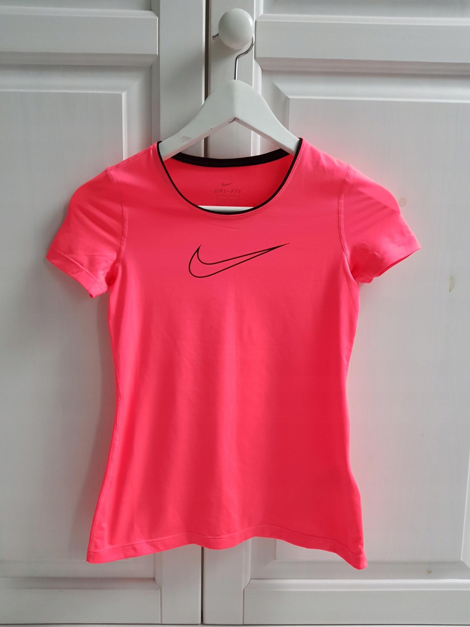 Nike t-shirt neon 146 CM 10 LAT
