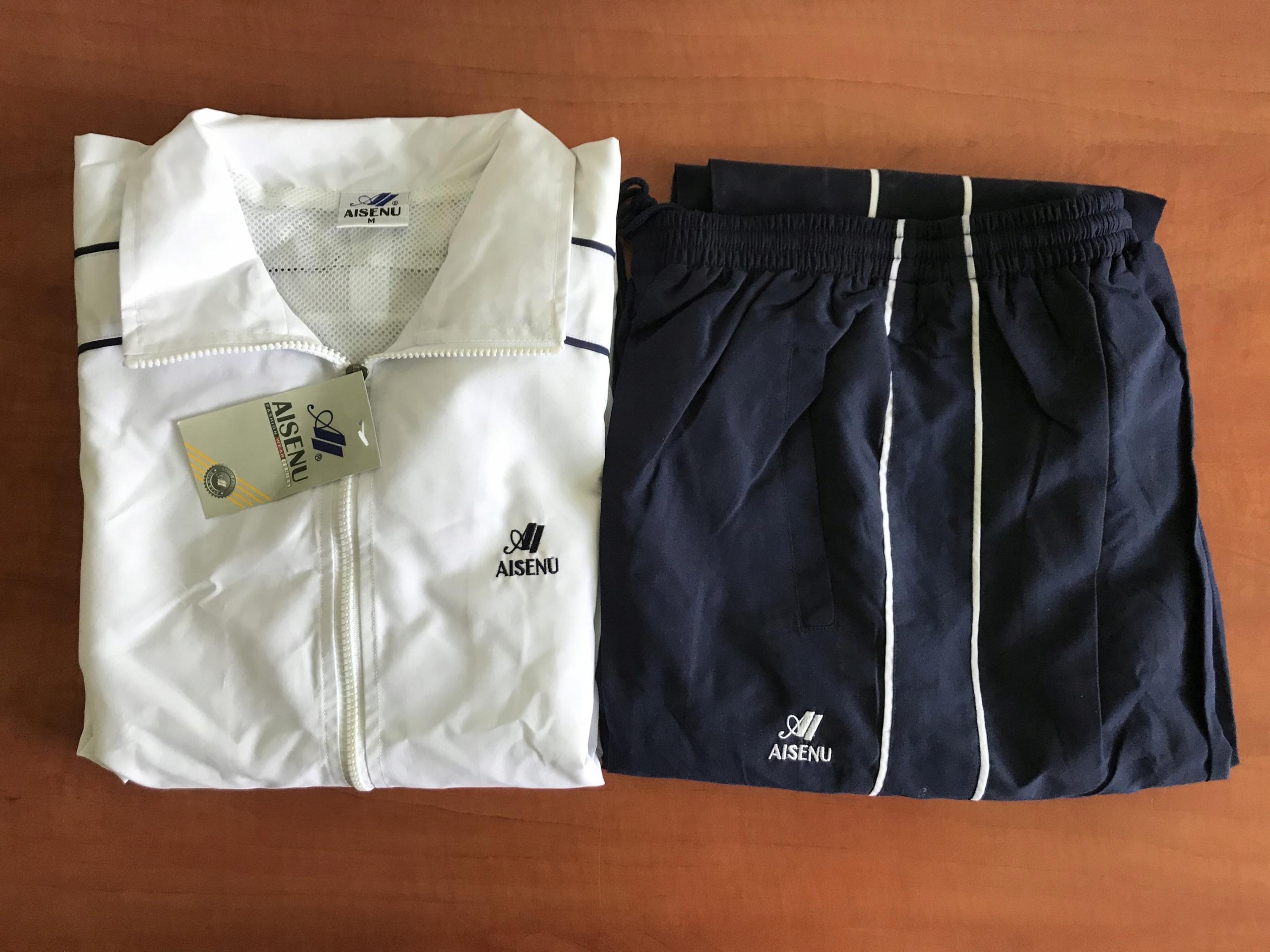 Zestaw ubrań sportowych (18.7C)