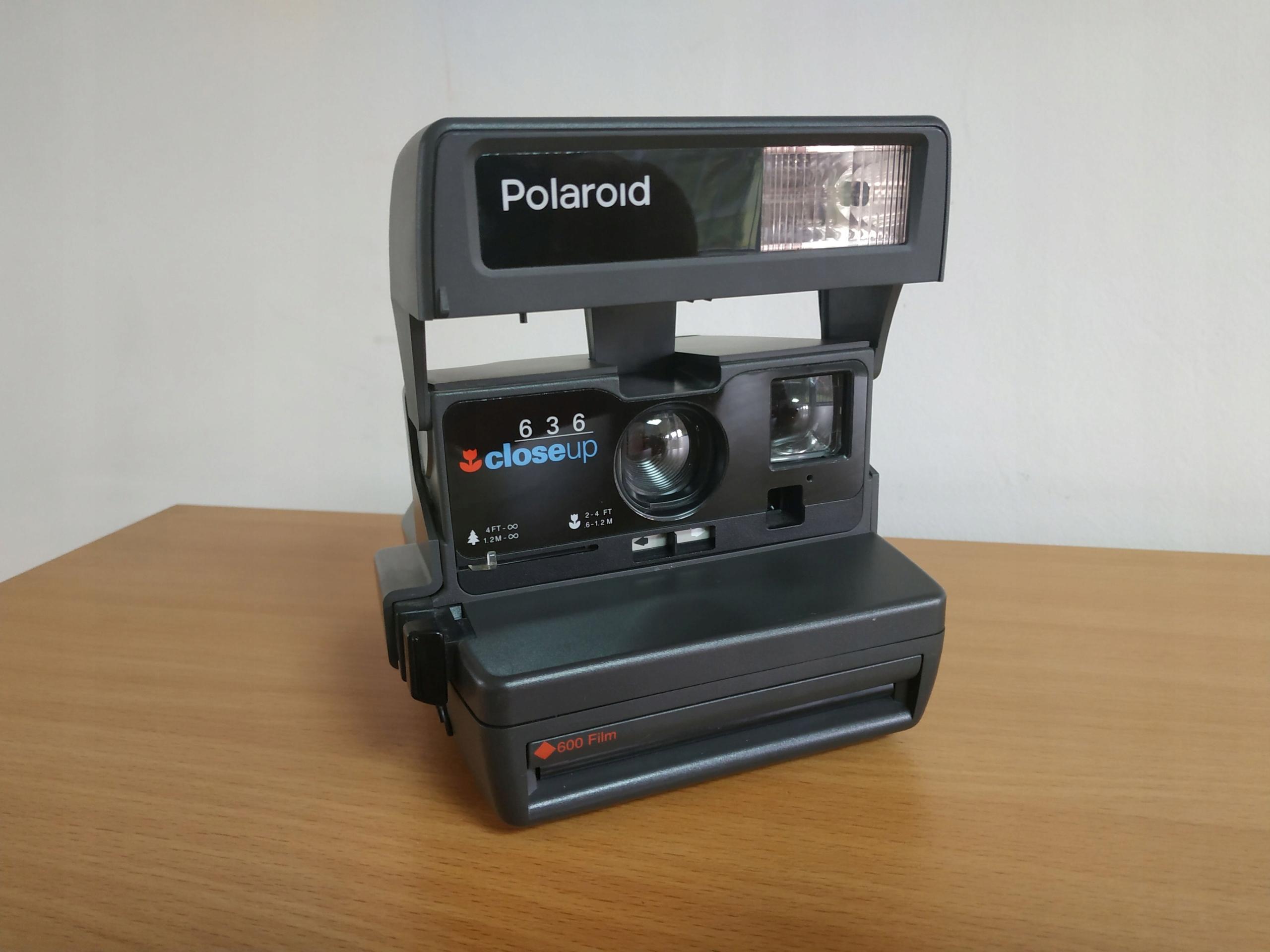 POLAROID 636 CLOSEUP NA FILM TYPU 600