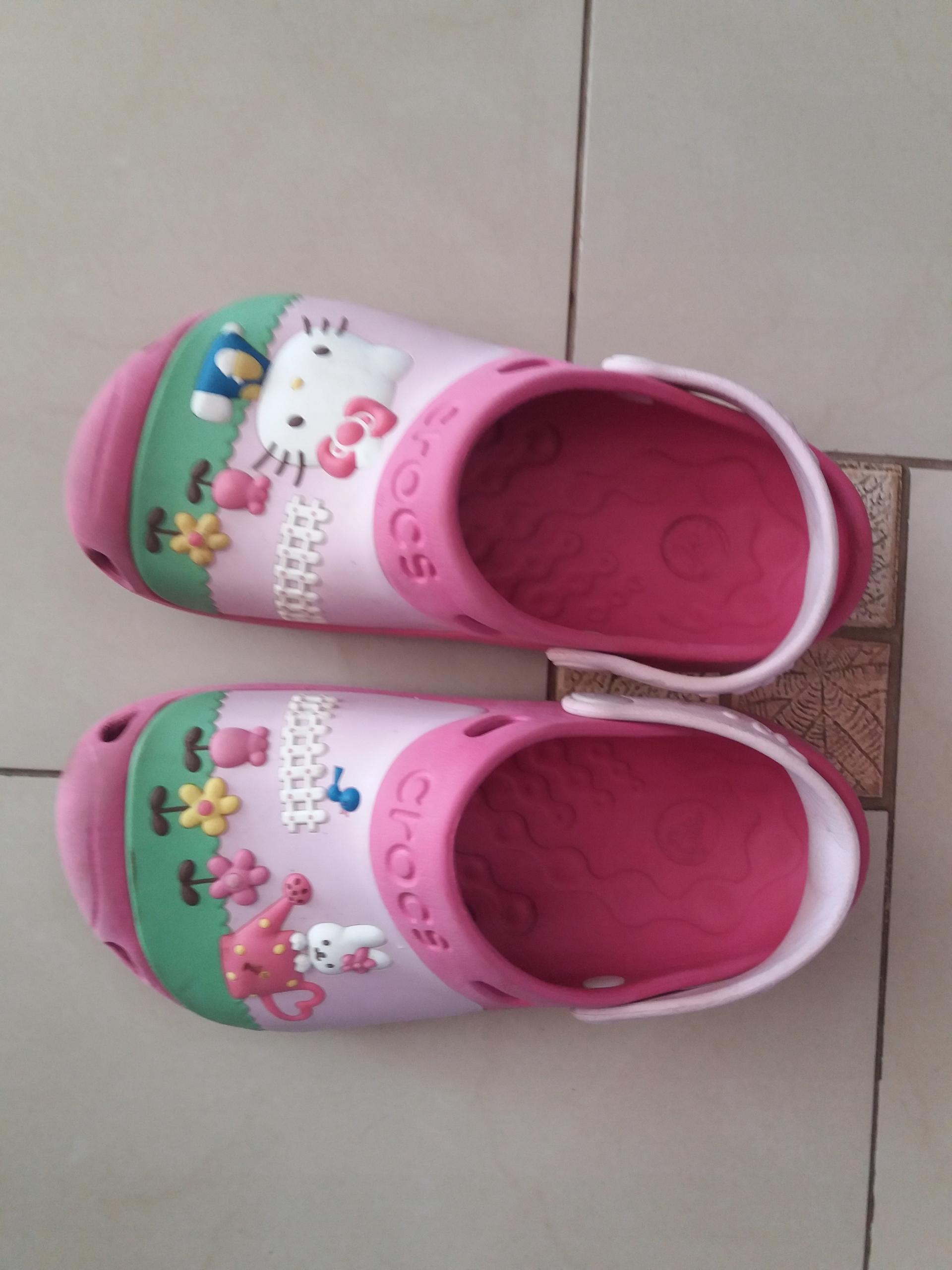 Sandały klapki CROCS Hello Kitty r.12/13 32/33