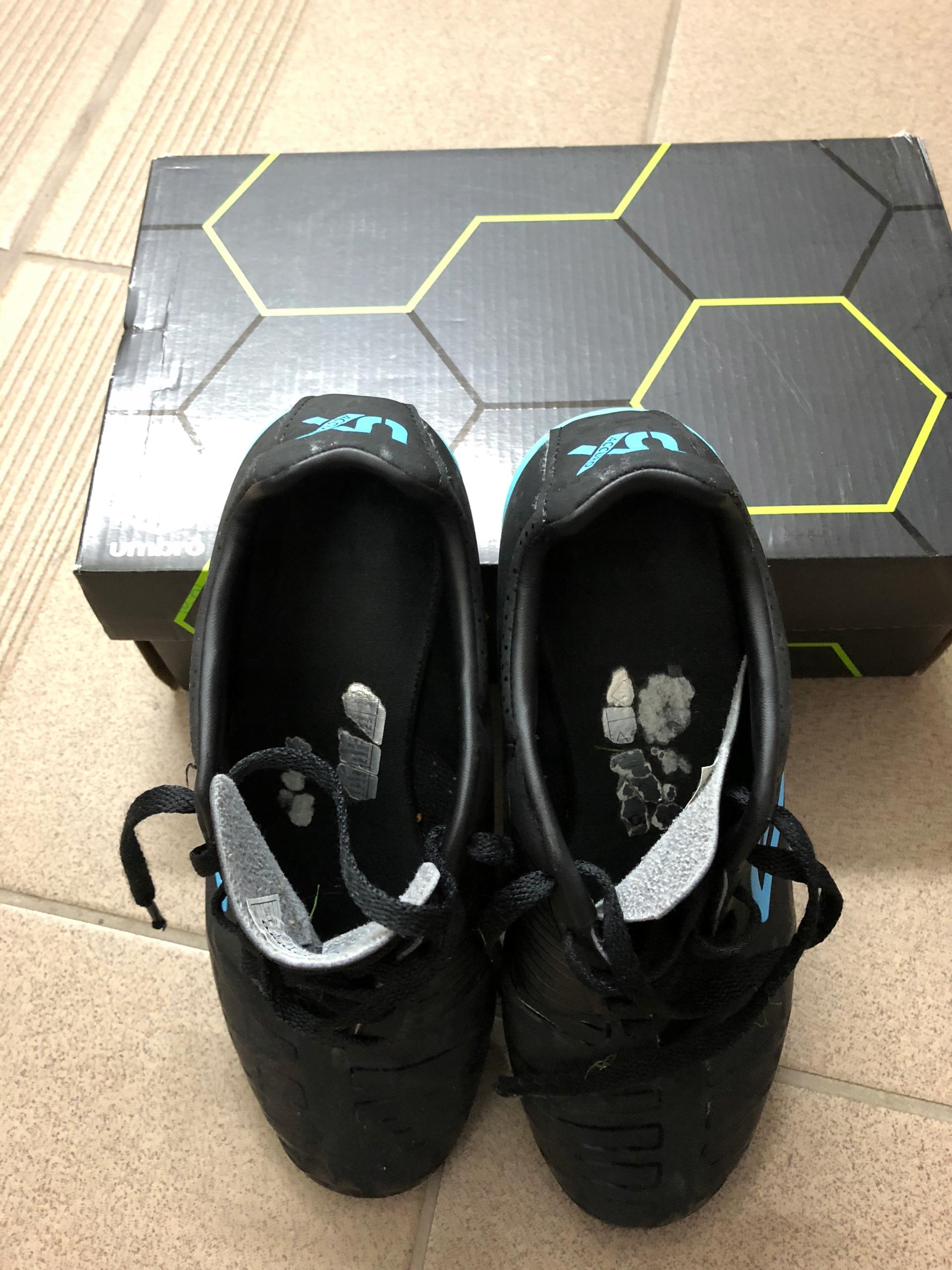 UMBRO Accuro halówki buty na halę