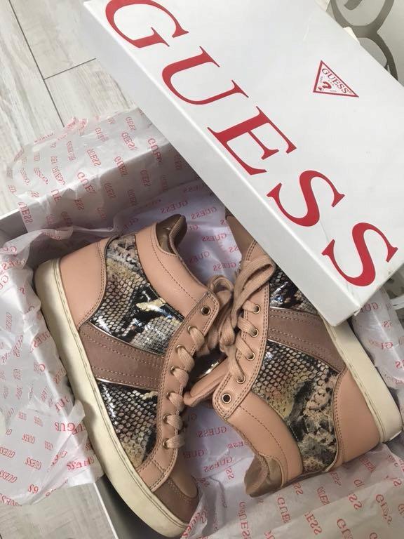 Wyprzadaż szafy - Sneakersy Guess r. 37