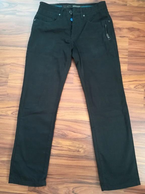 Czarne spodnie Reserved 30/32