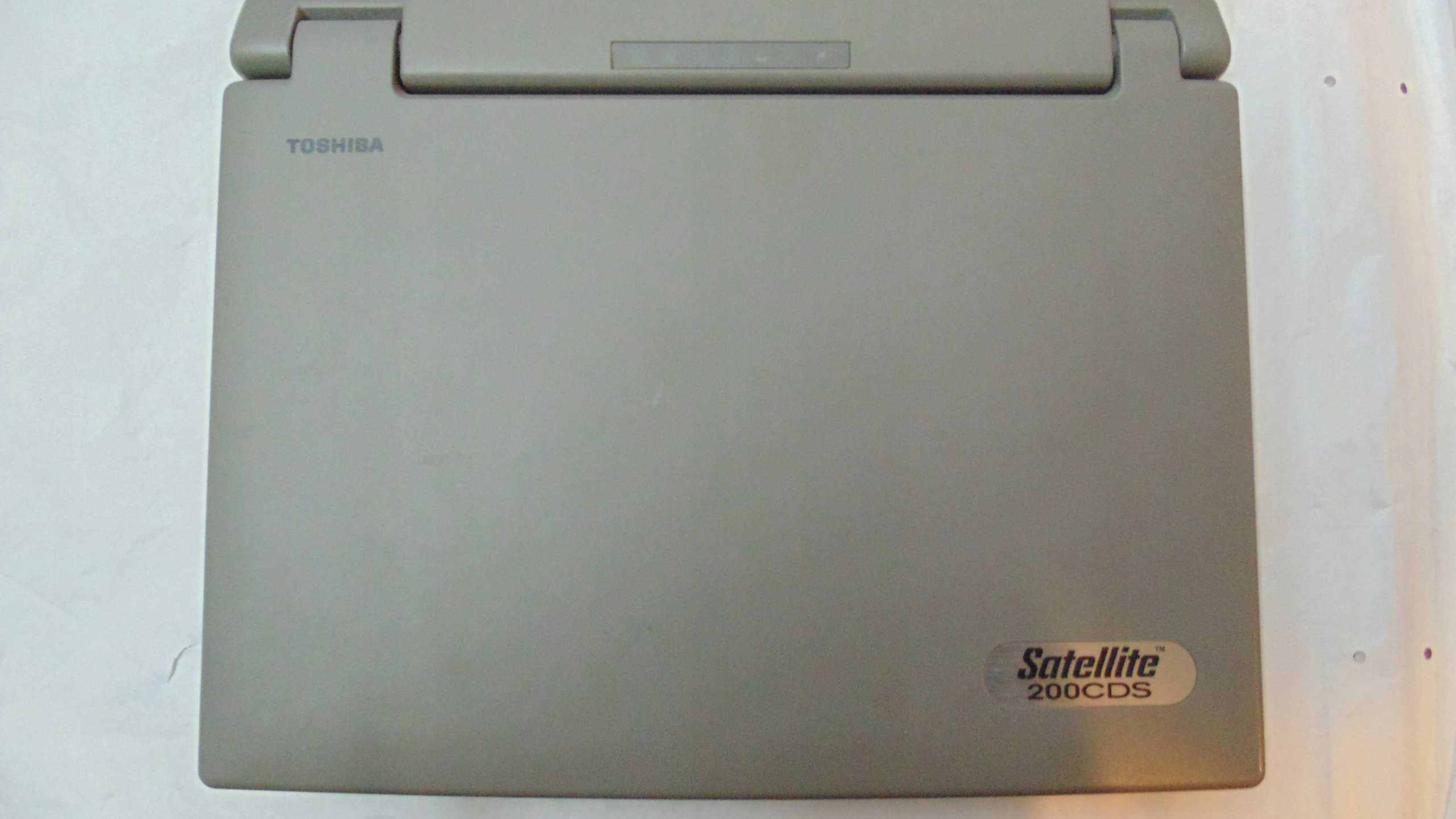 Kolekcjonerski laptop Toshiba Satellite 200CDS