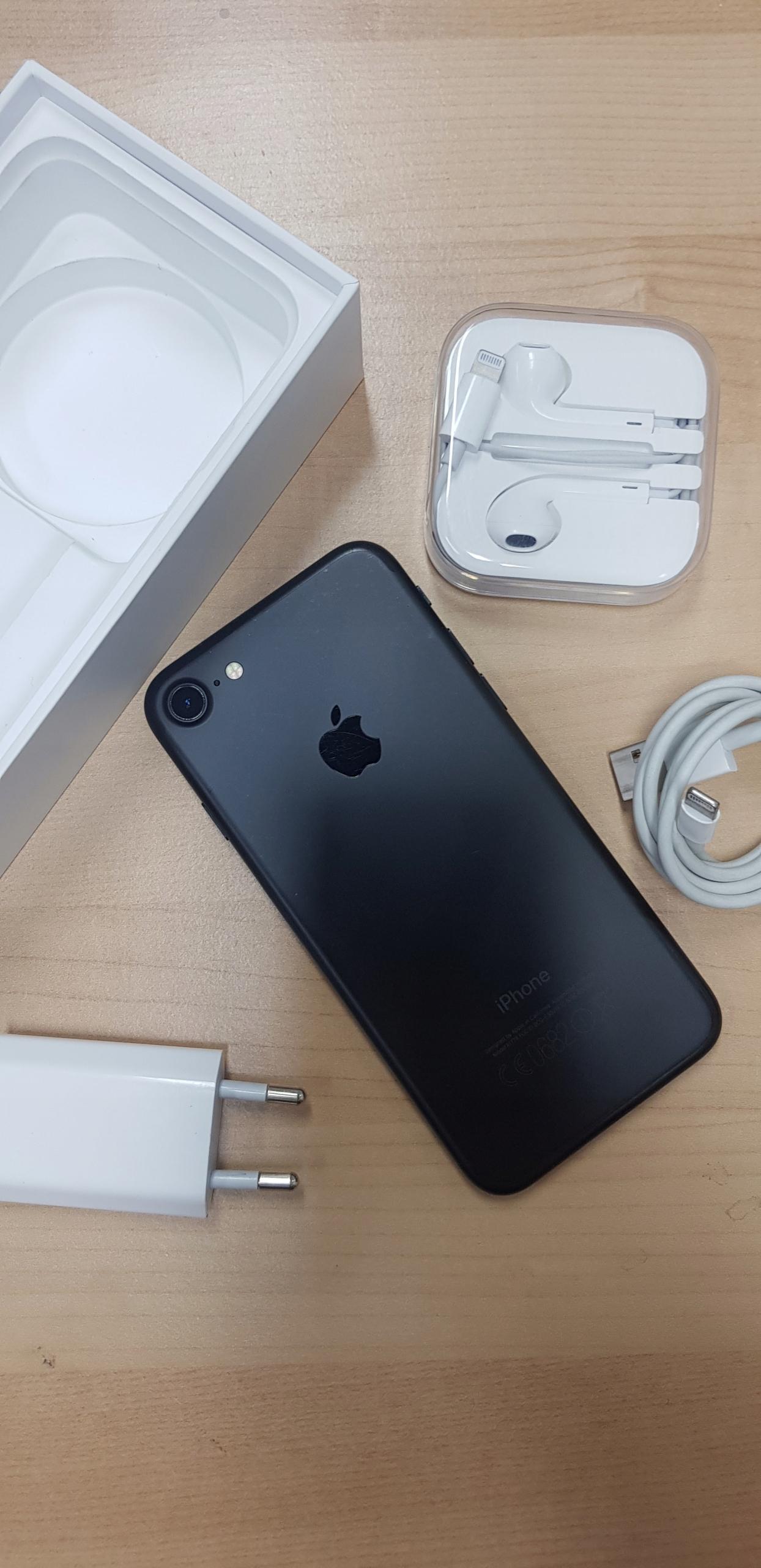 iPhone 7 / 32GB / Czarny Mat