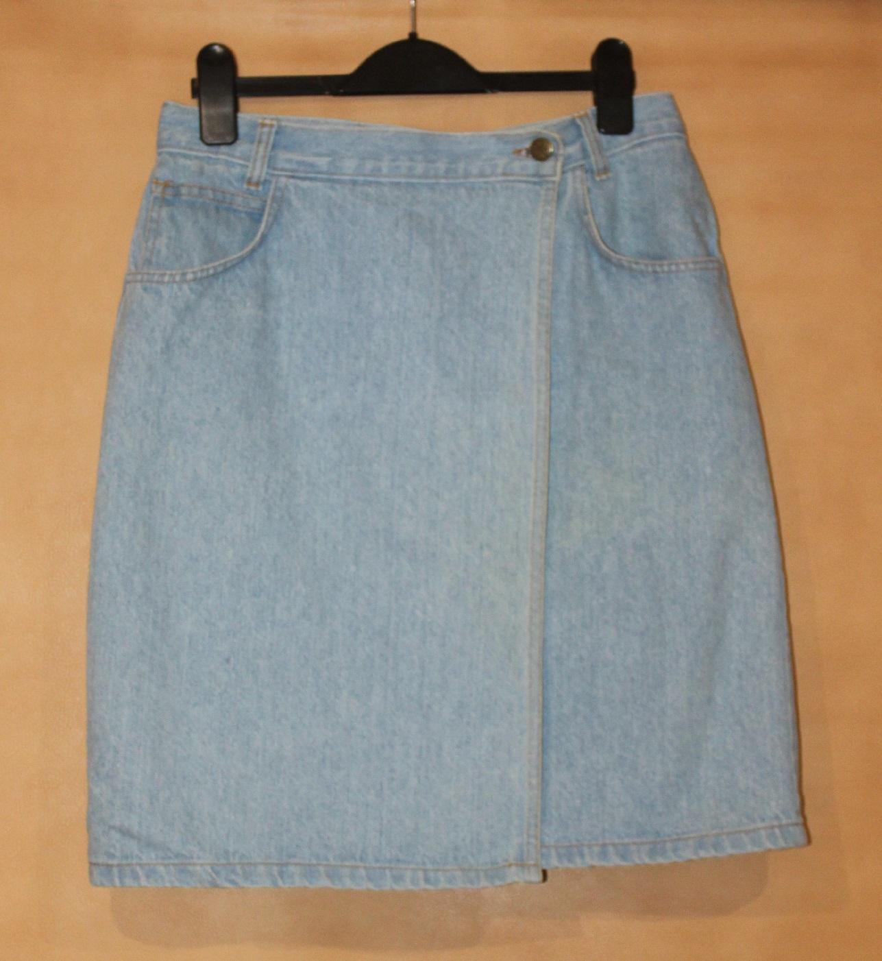 Jeansowa spódnica mini rozm 38 wytarty jeans z kieszeniami w