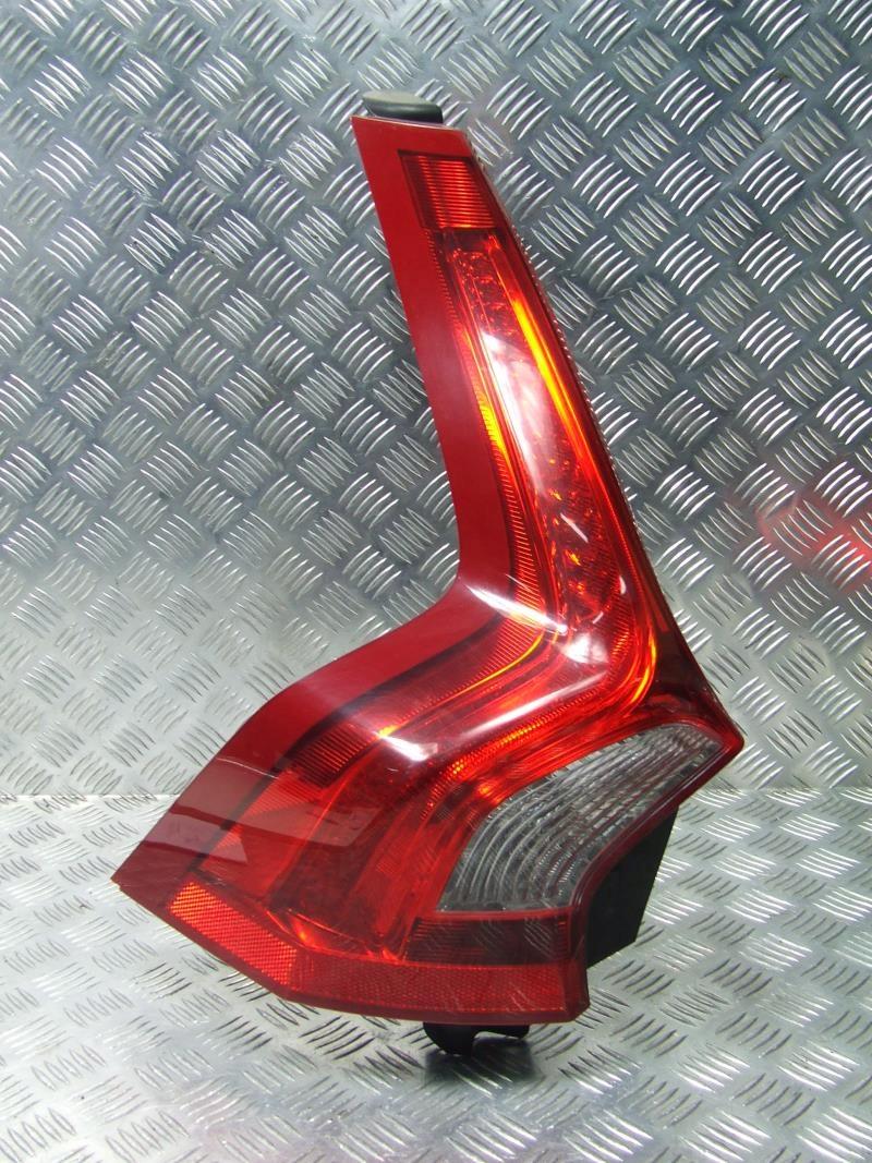 VOLVO V60 LAMPA LEWA TYLNA LEWY TYŁ 31214963