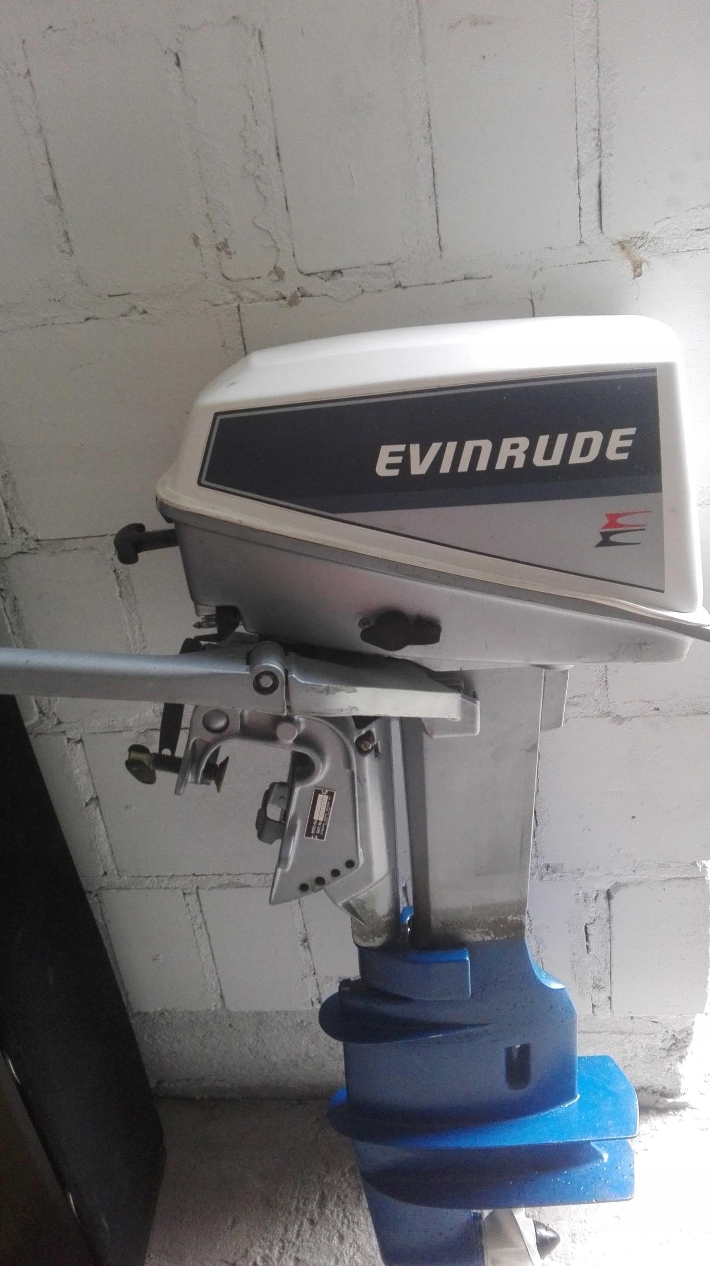 silnik zaburtowy Evinrude 8 km nie yamaha stopa L