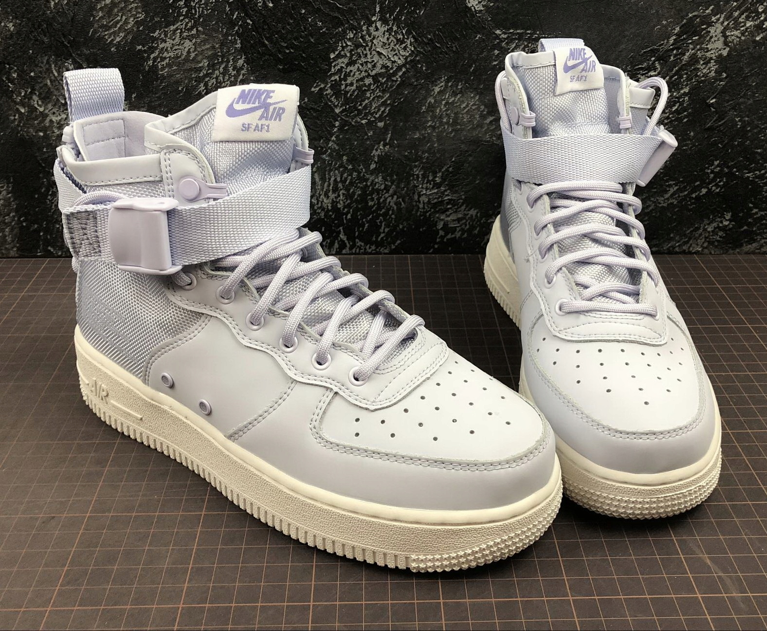 DAMSKIE NIKE SF AIR FORCE 1 MID r. 39 7926920918