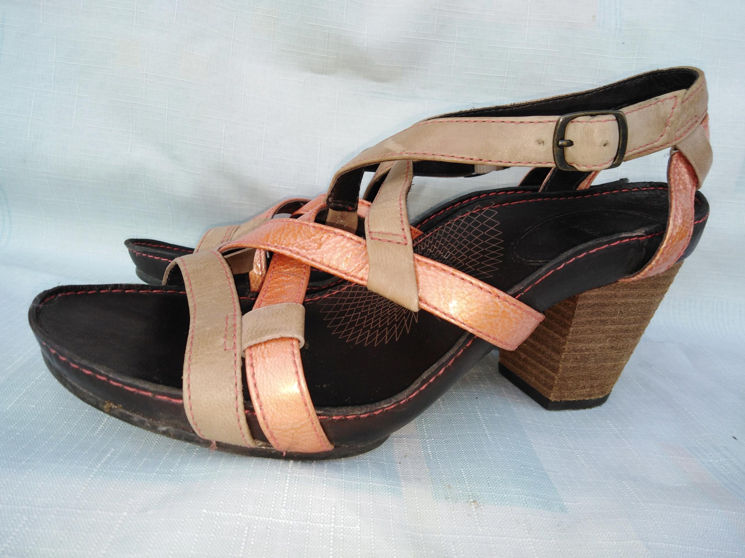 Skórzane sandały Clarks 38,5 wkładka 25 cm