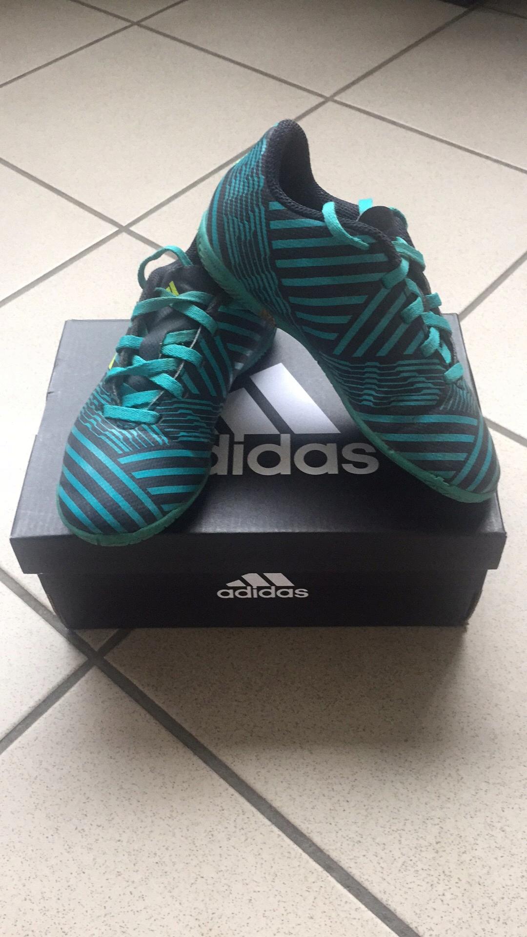Buty piłkarskie halowki adidas rozm.30