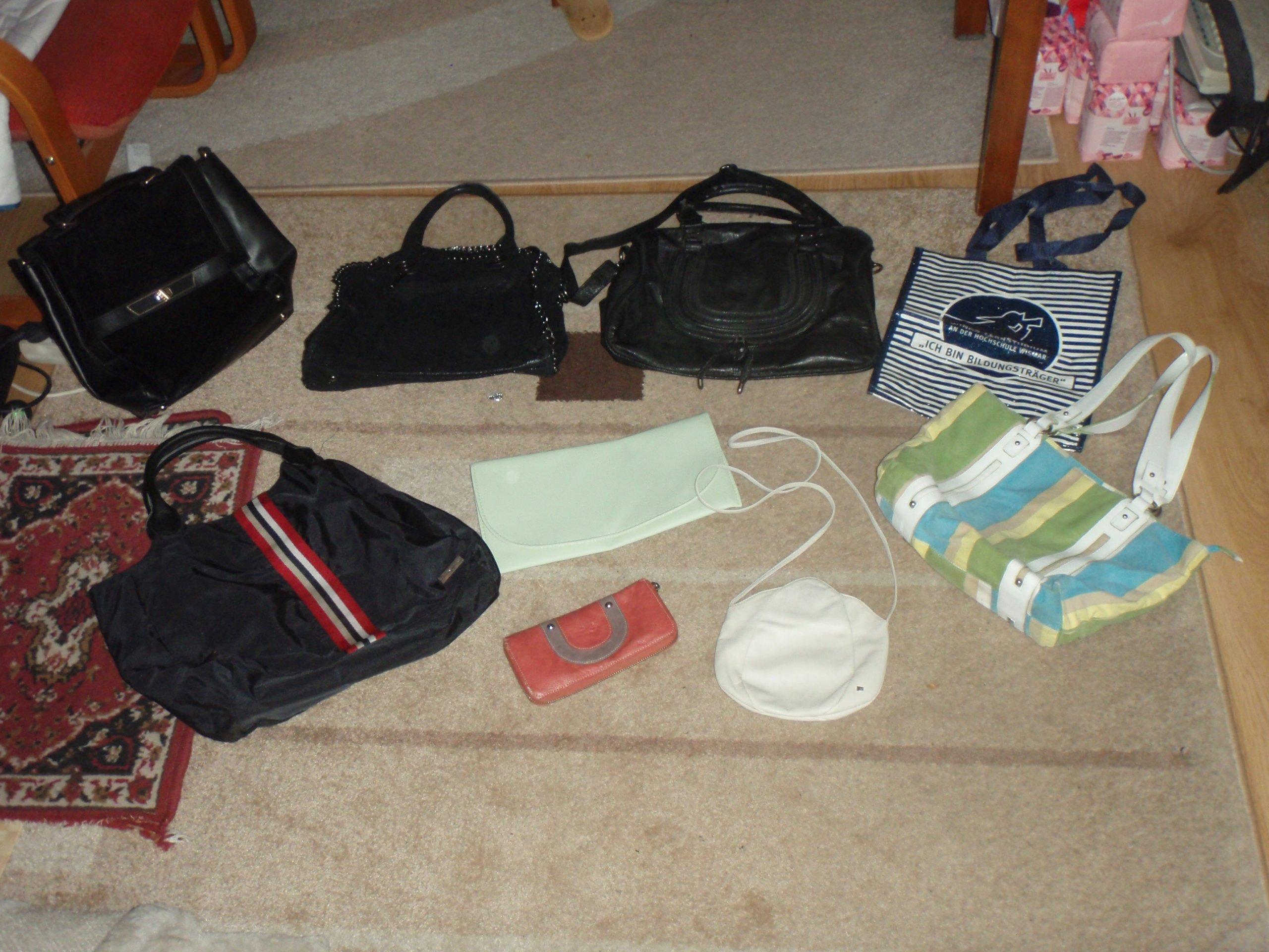 983defbc877fc Torebki damskie różne - 7 sztuk + duży portfel - 7191842094 ...