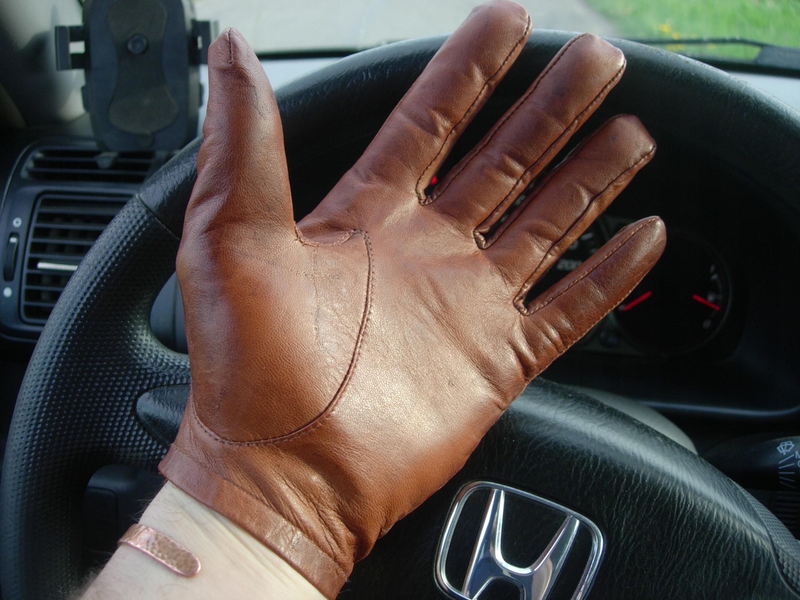 OKAZJA. Stylowe rękawice samochodowe skórzane ZARA