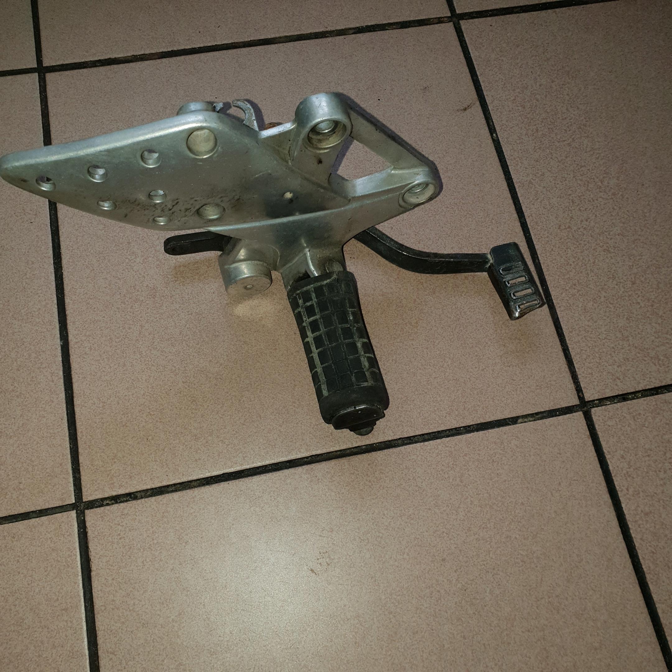 Prawy set Honda CBR 125