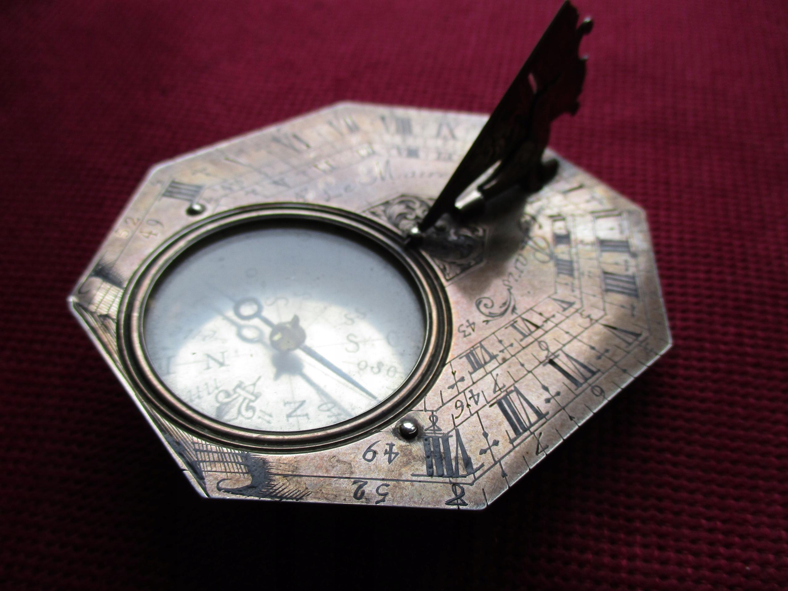 Antyczny zegarek słoneczny Le Maire Paris SREBRO