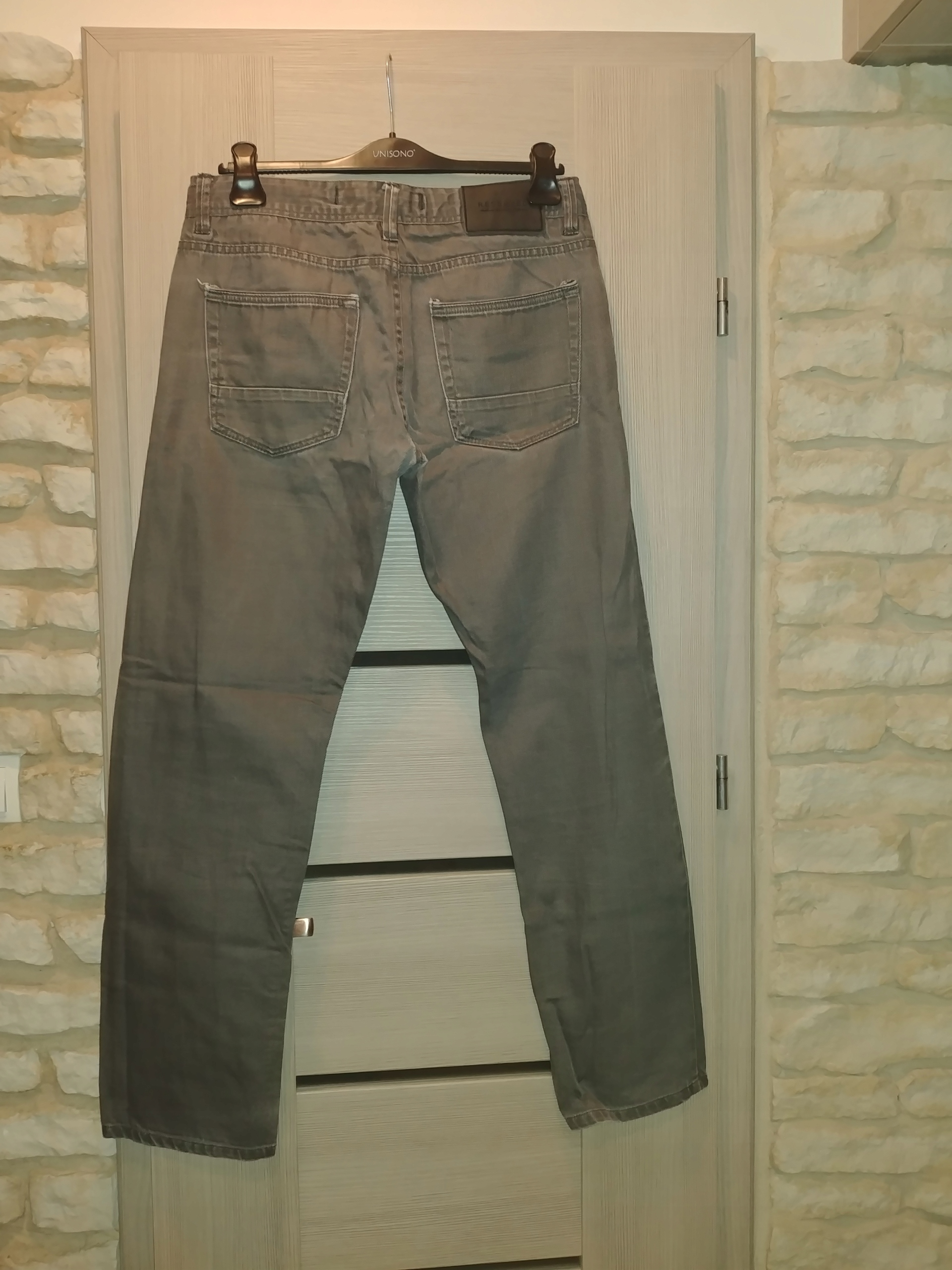 Reserved spodnie meskie szare prążki M L