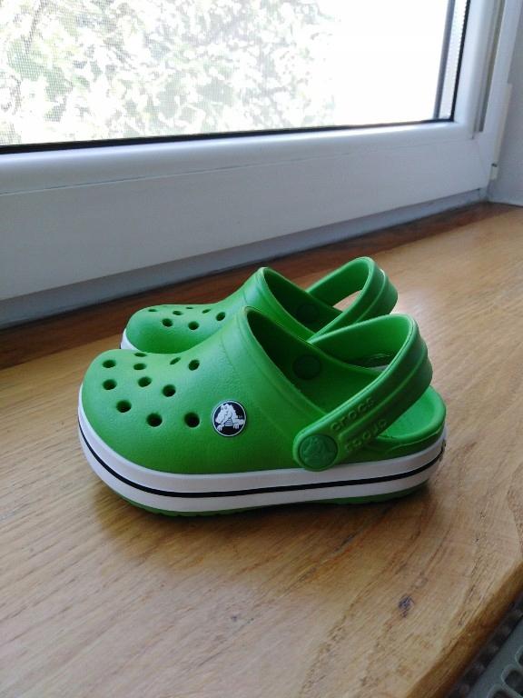 crocsy 20, 21