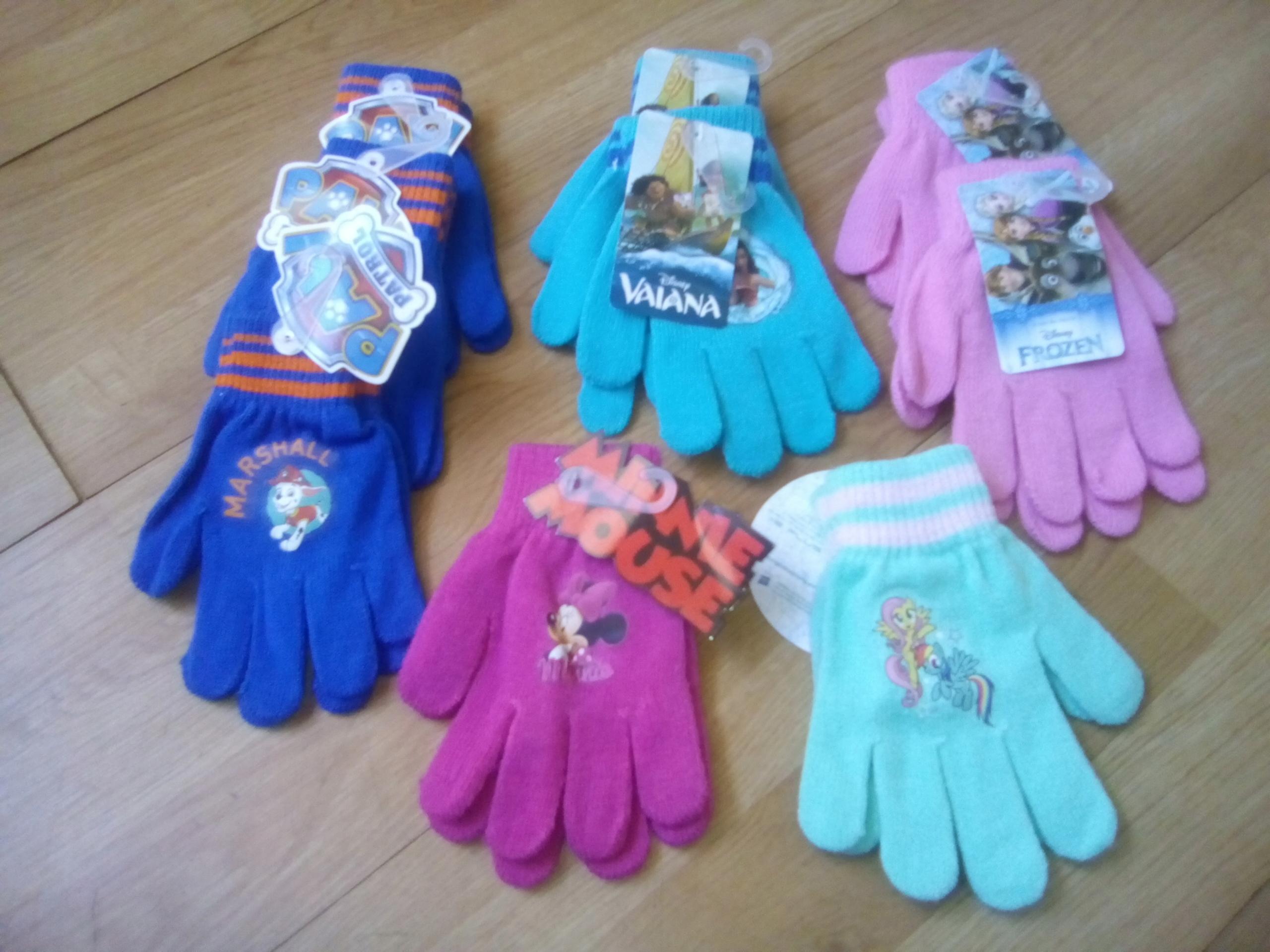 Rękawiczki 4-6lat motyw z bajek Disneya
