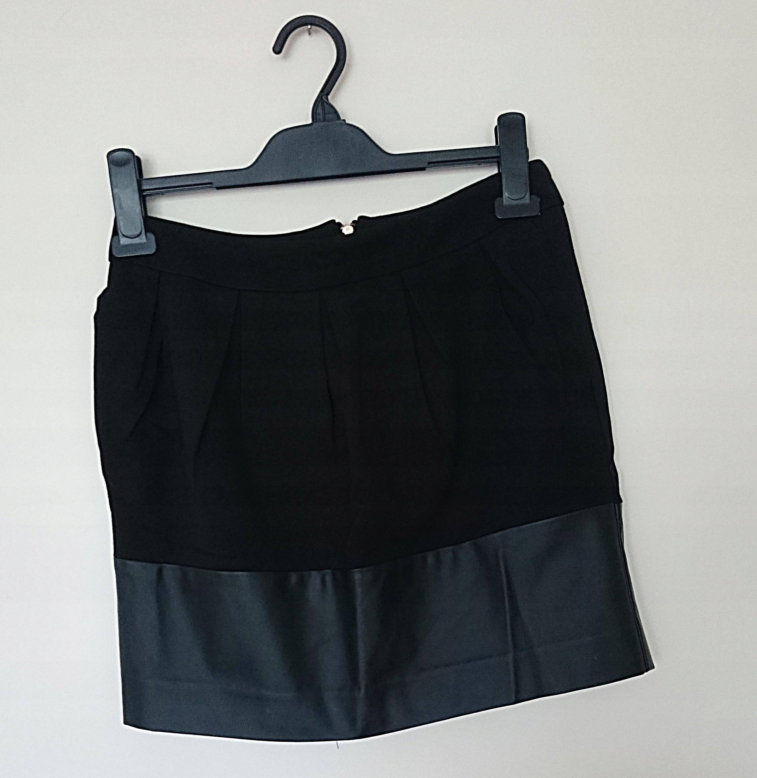 ee0266ac Reserved czarna elegancka spódnica eko skórka