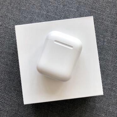 Słuchawki Apple AirPods w stanie idealnym
