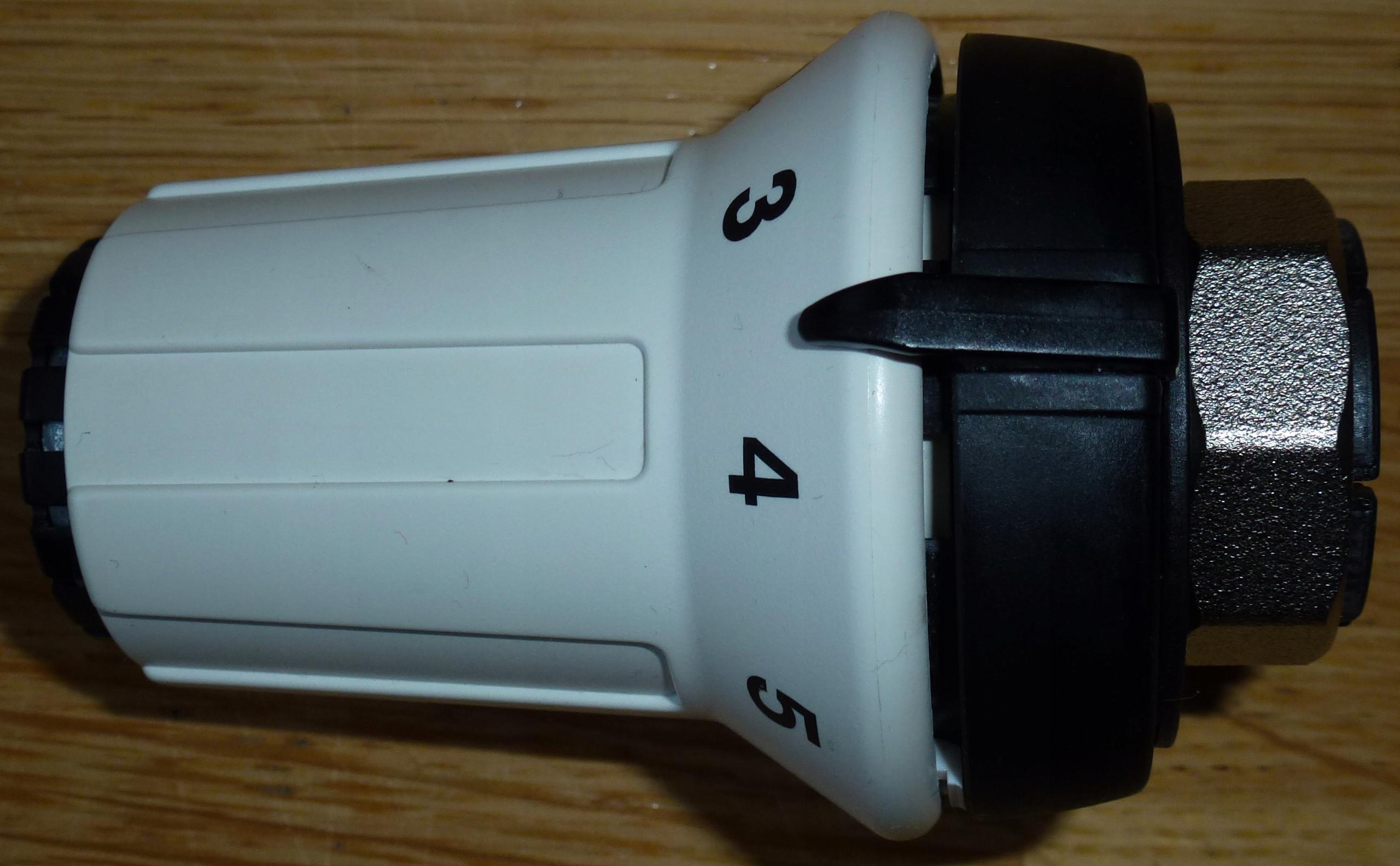 GŁOWICA termostatyczna termostat grzejnikowy DANFO