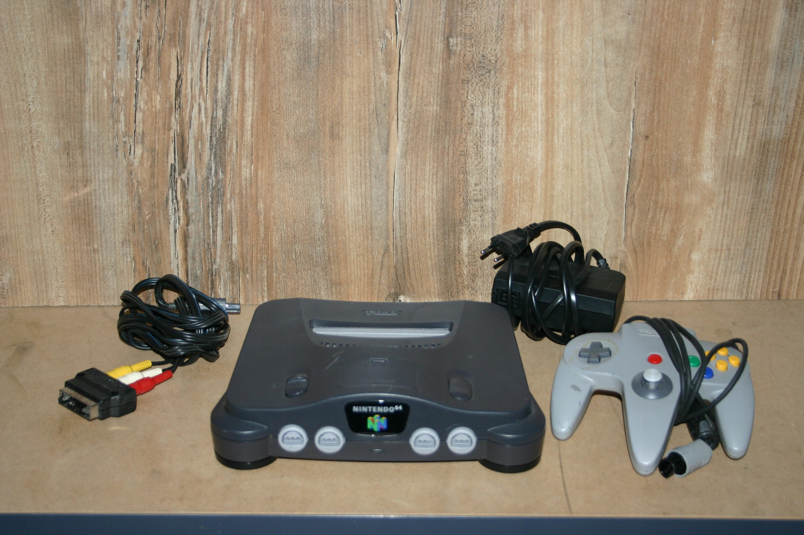 Nintendo 64 + pad
