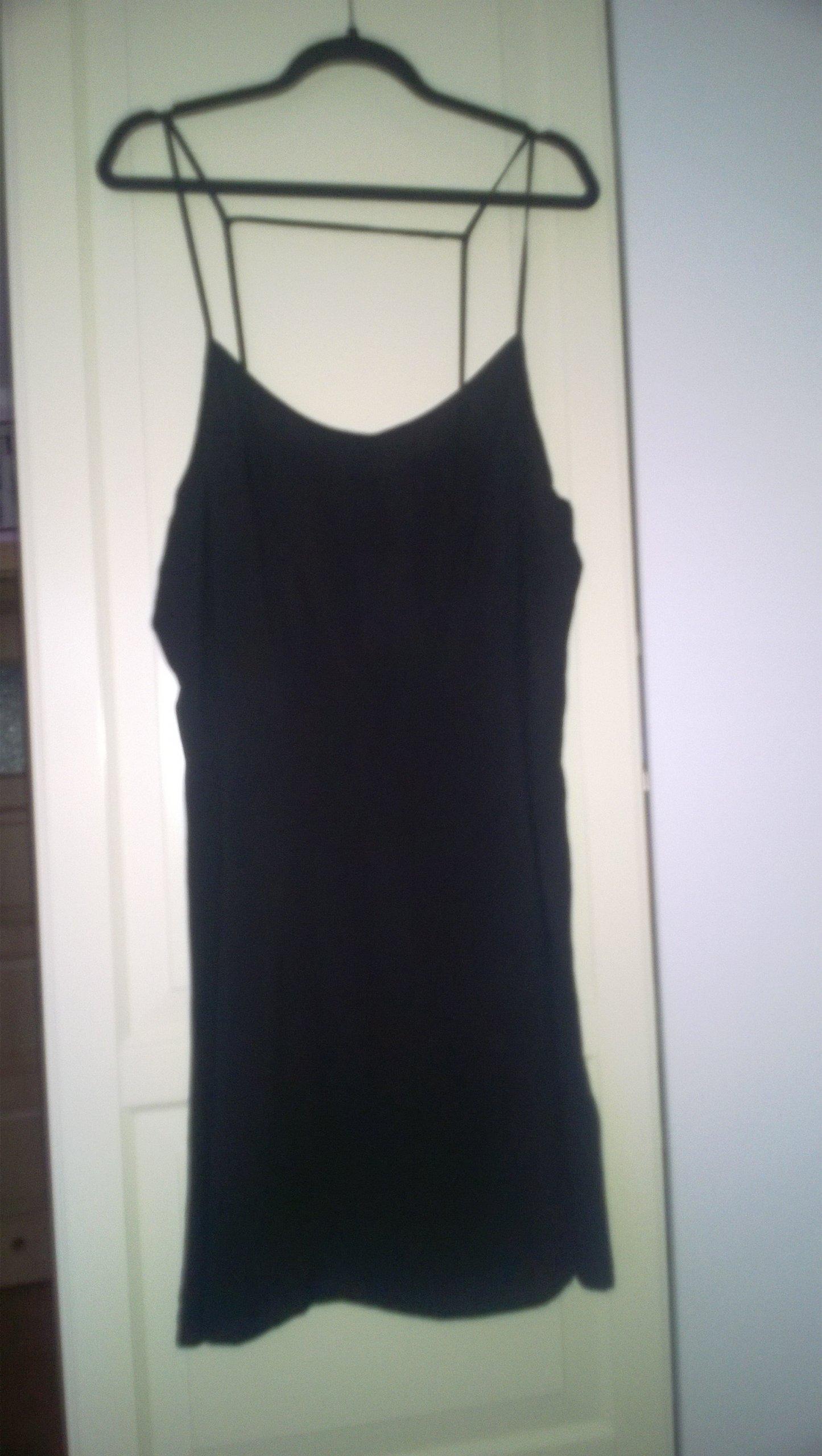 H&M sukienka halkowa na cienkich ramiączkach