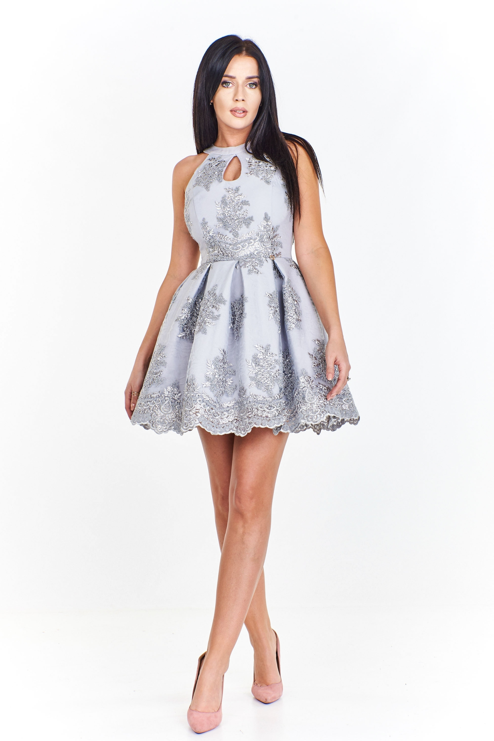 Sukienka z koronkowym wzorem ozdobionym cekinami z
