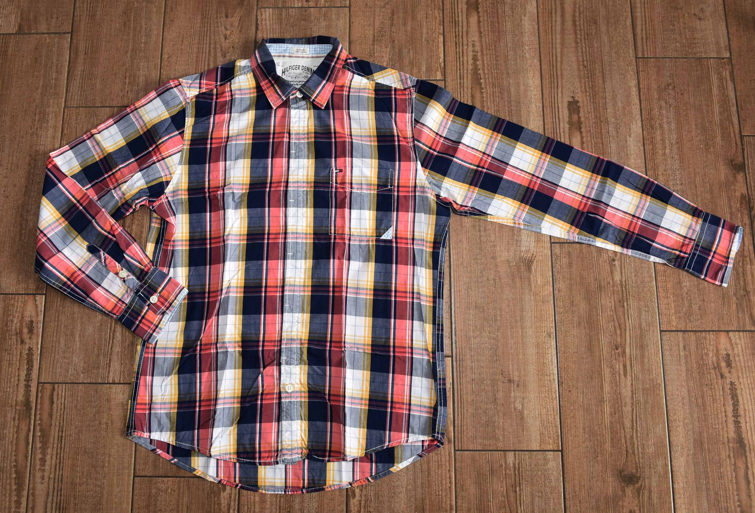 Tommy Hilfigner __mens shirt / R. M