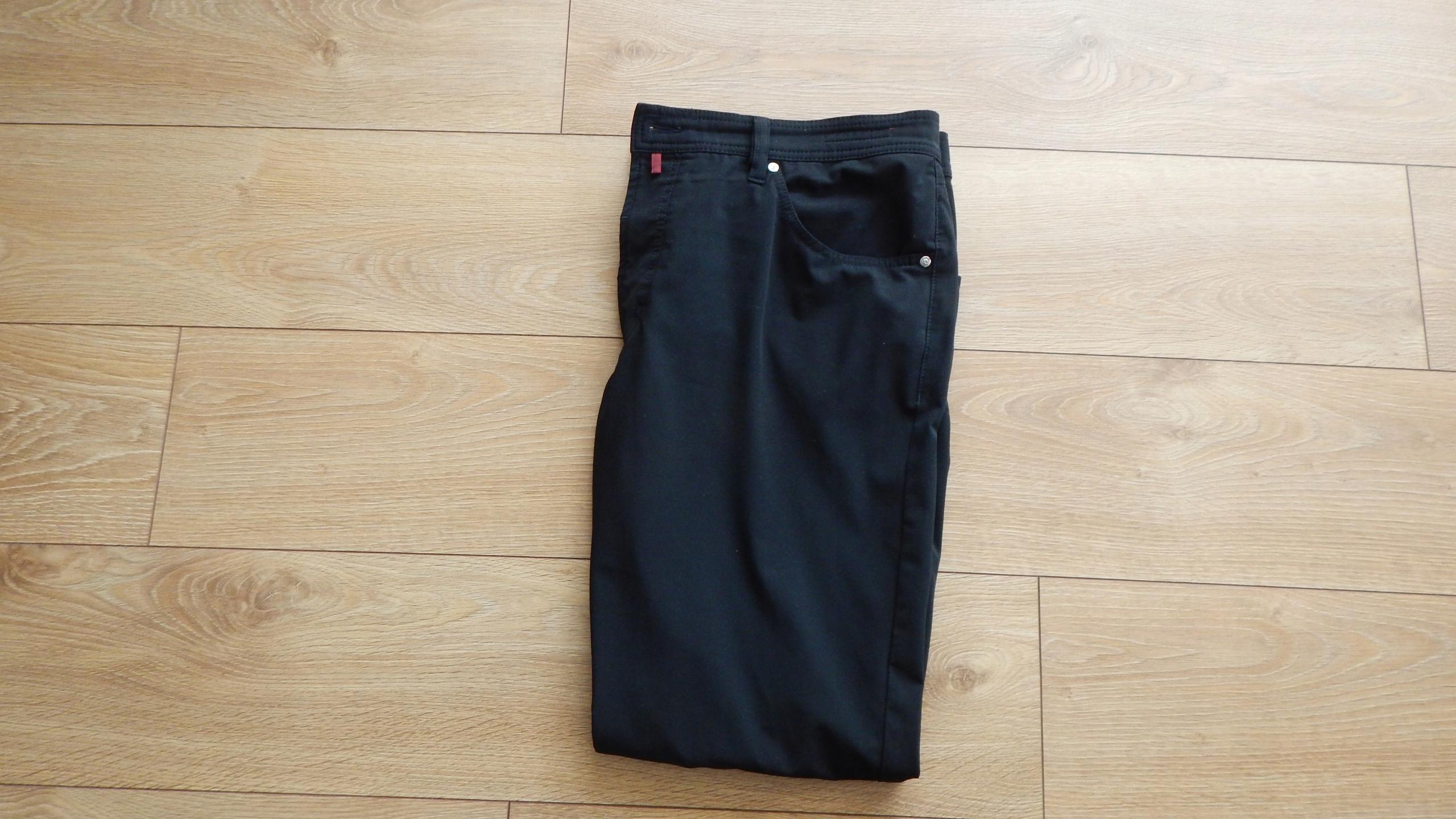 Pierre Cardin Spodnie Czarne 40/32