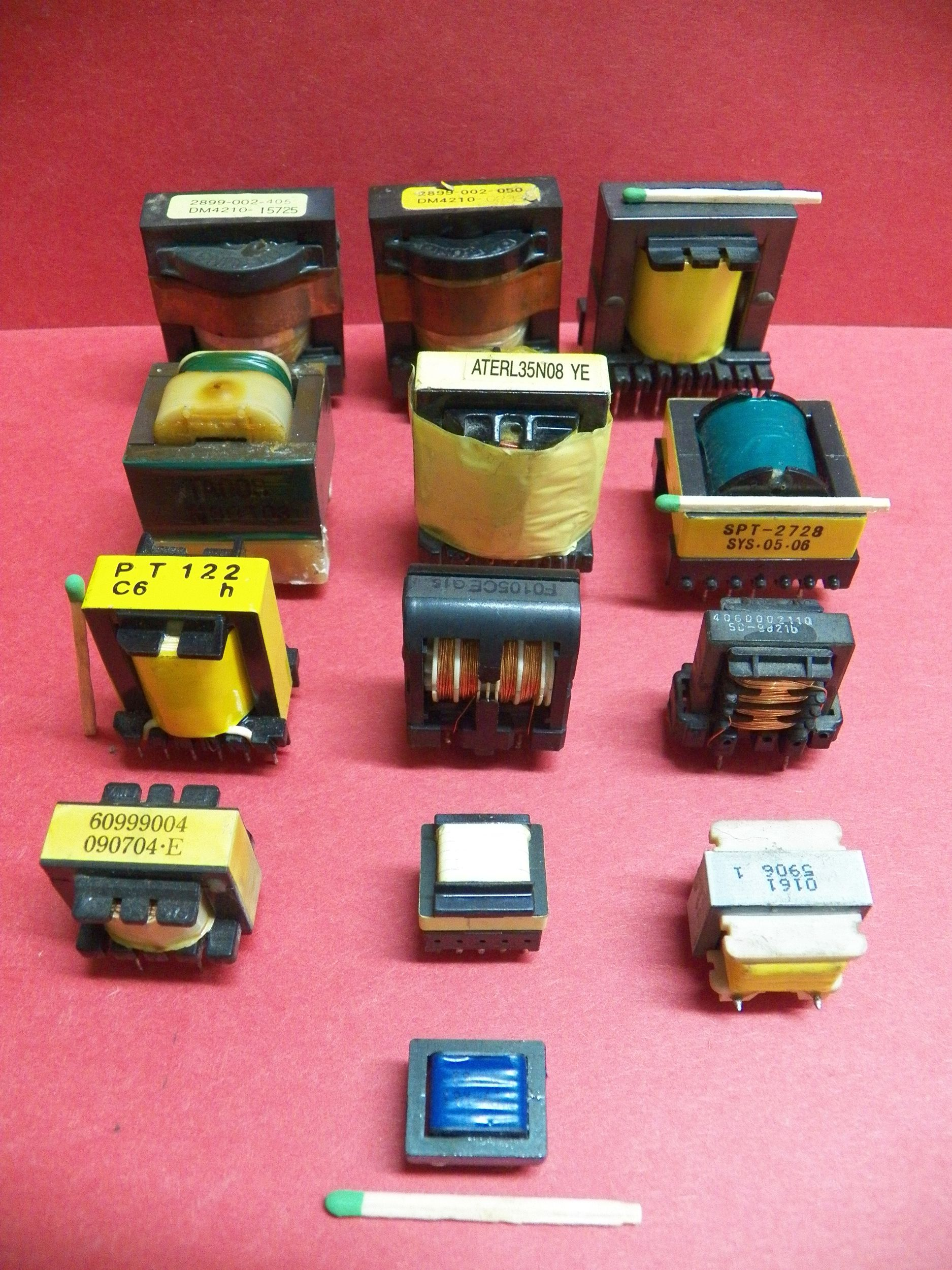 Transformatorki różne 13 sztuk