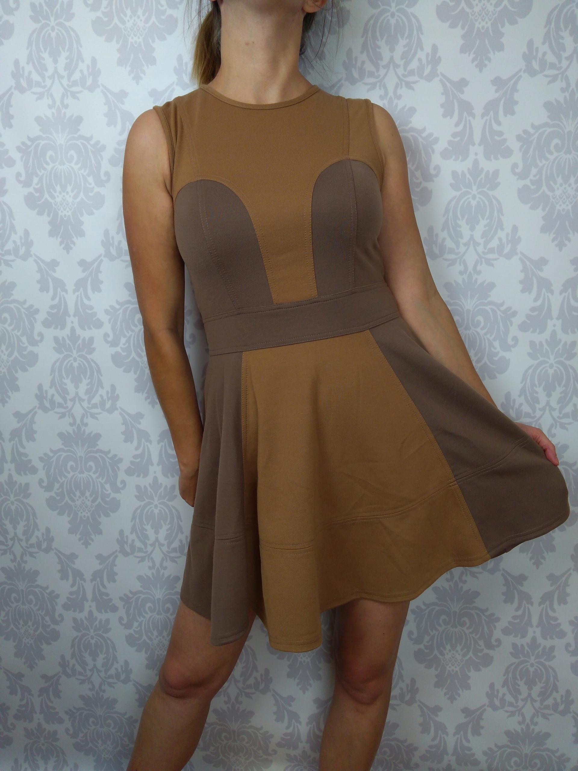 Roz 40 Rozkloszowana brązowa sukienka ASOS