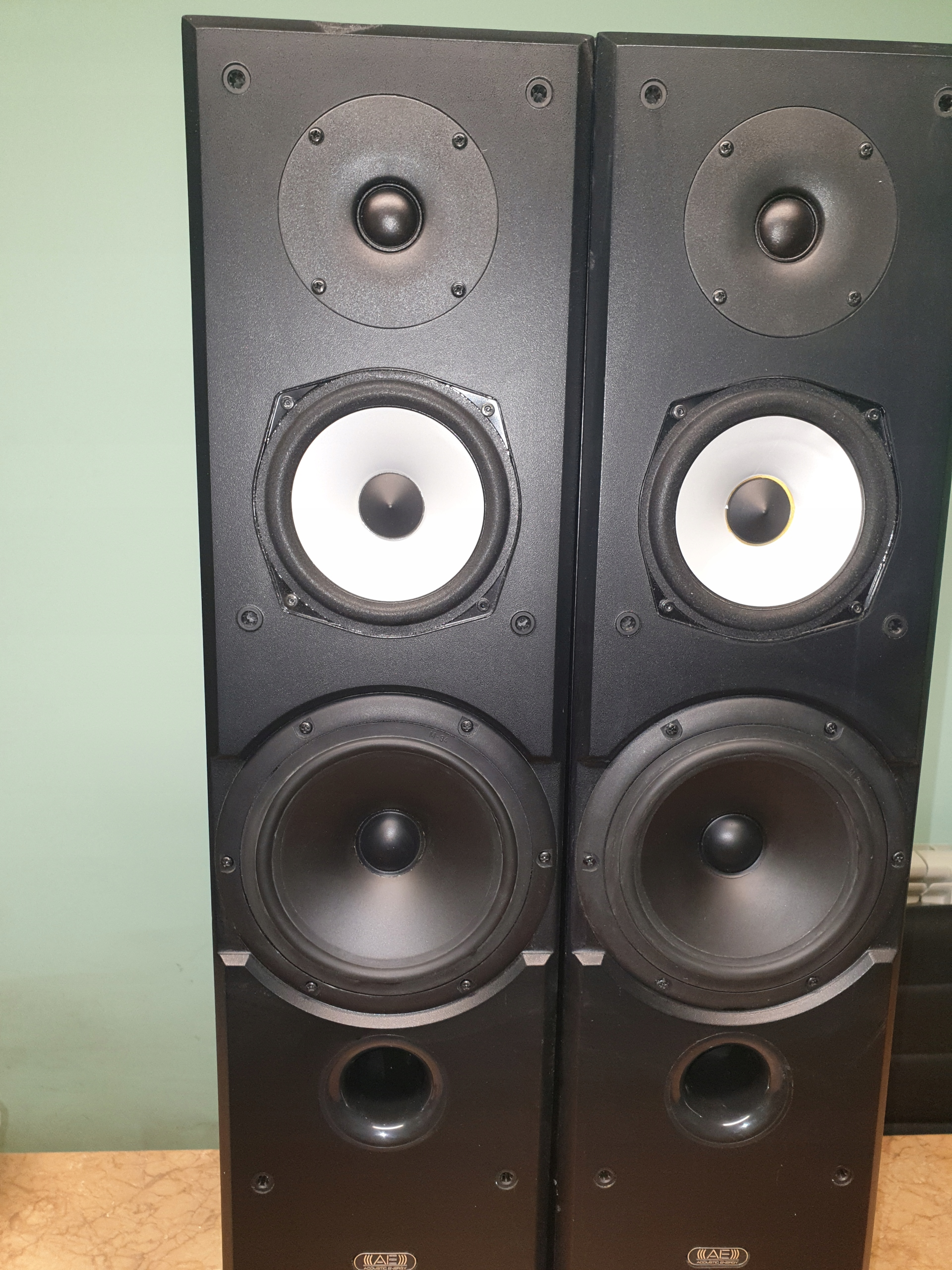 Acoustic Energy AEGIS 3