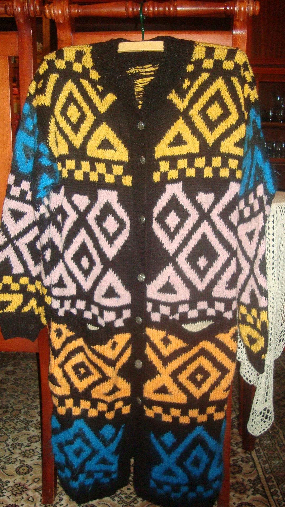 Sweter płaszcz rękodzieło