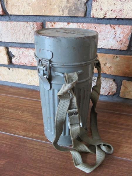 Puszka na maskę p/gazową Luftschutz Wehrmacht, WH