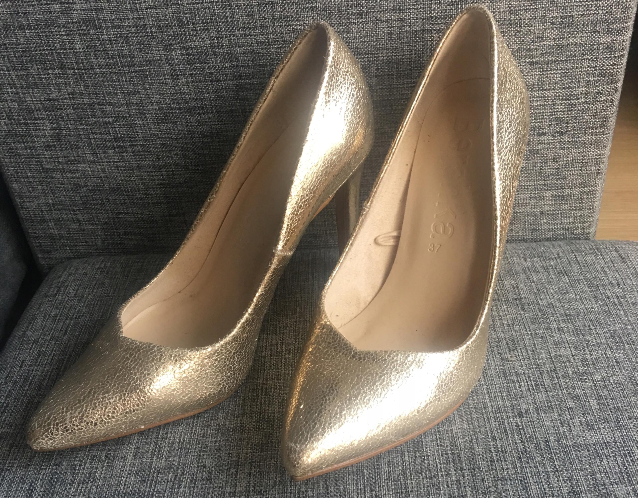 24bc84154351d Złote szpilki Bershka * buty czółenka * 37 - 7796200678 - oficjalne ...