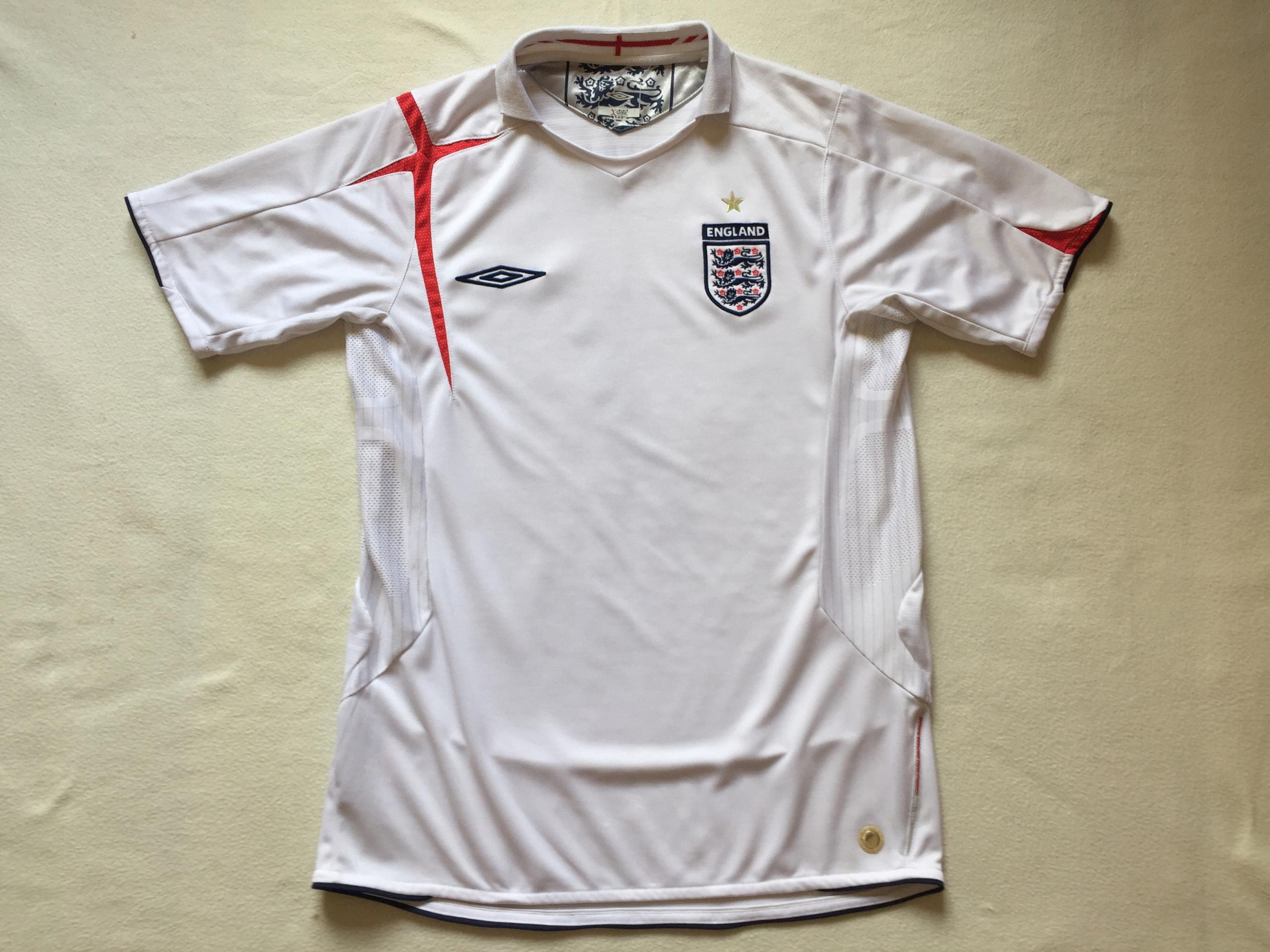 Koszulka reprezentacji Anglii-Umbro-sezon 2005/07