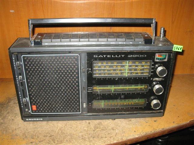 RADIO GRUNDIG SATELLIT 2000 - NR S768