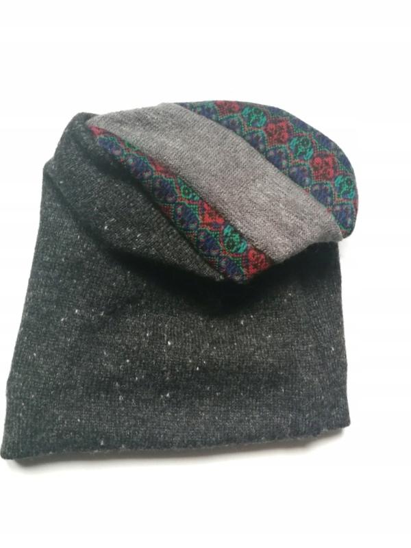 czapka damska wełniana szara z motywem ludowym