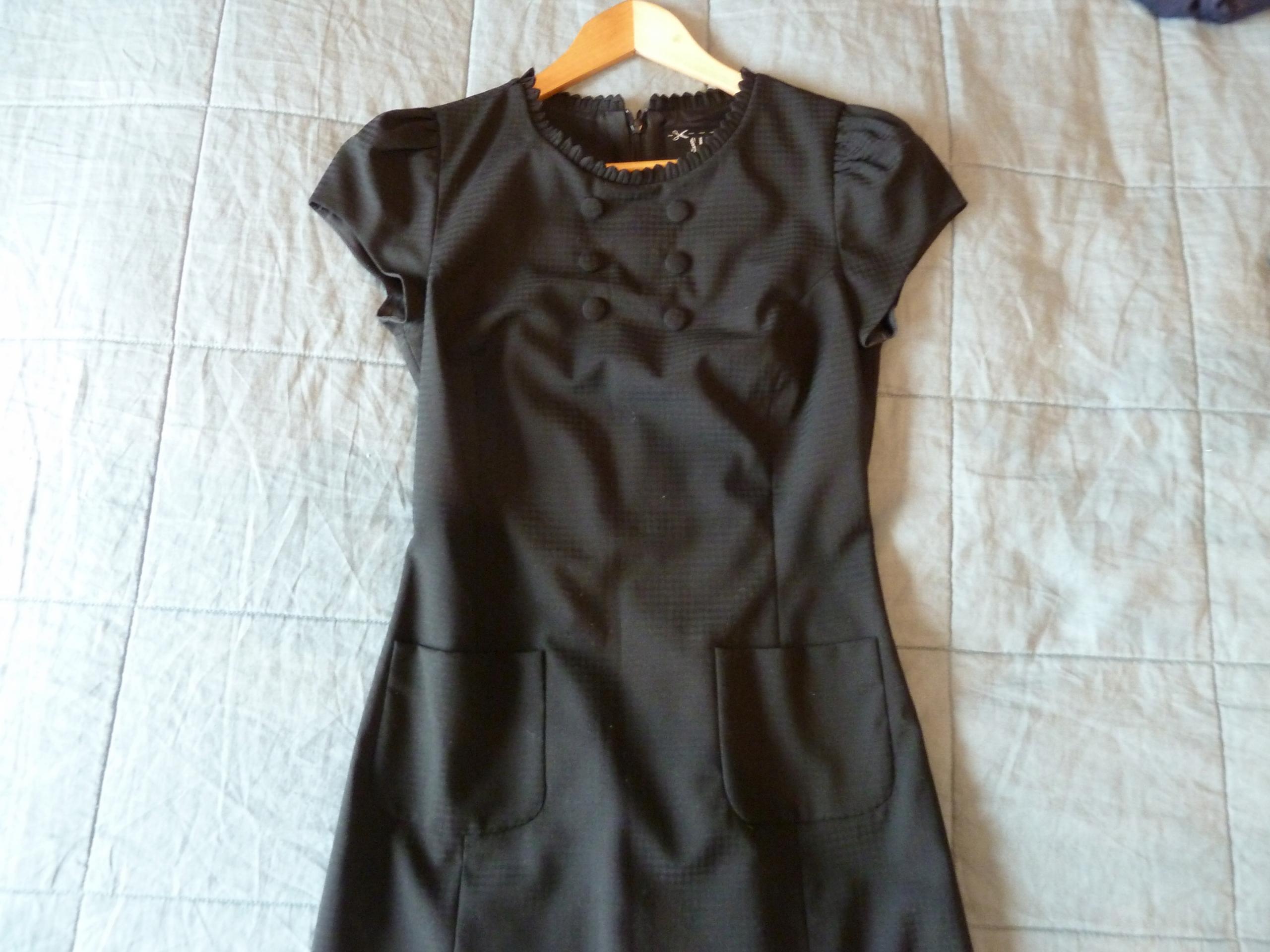 14d28cf489 Śliczna sukienka Simple 36 czarna wełna dziewicza - 7719766434 ...
