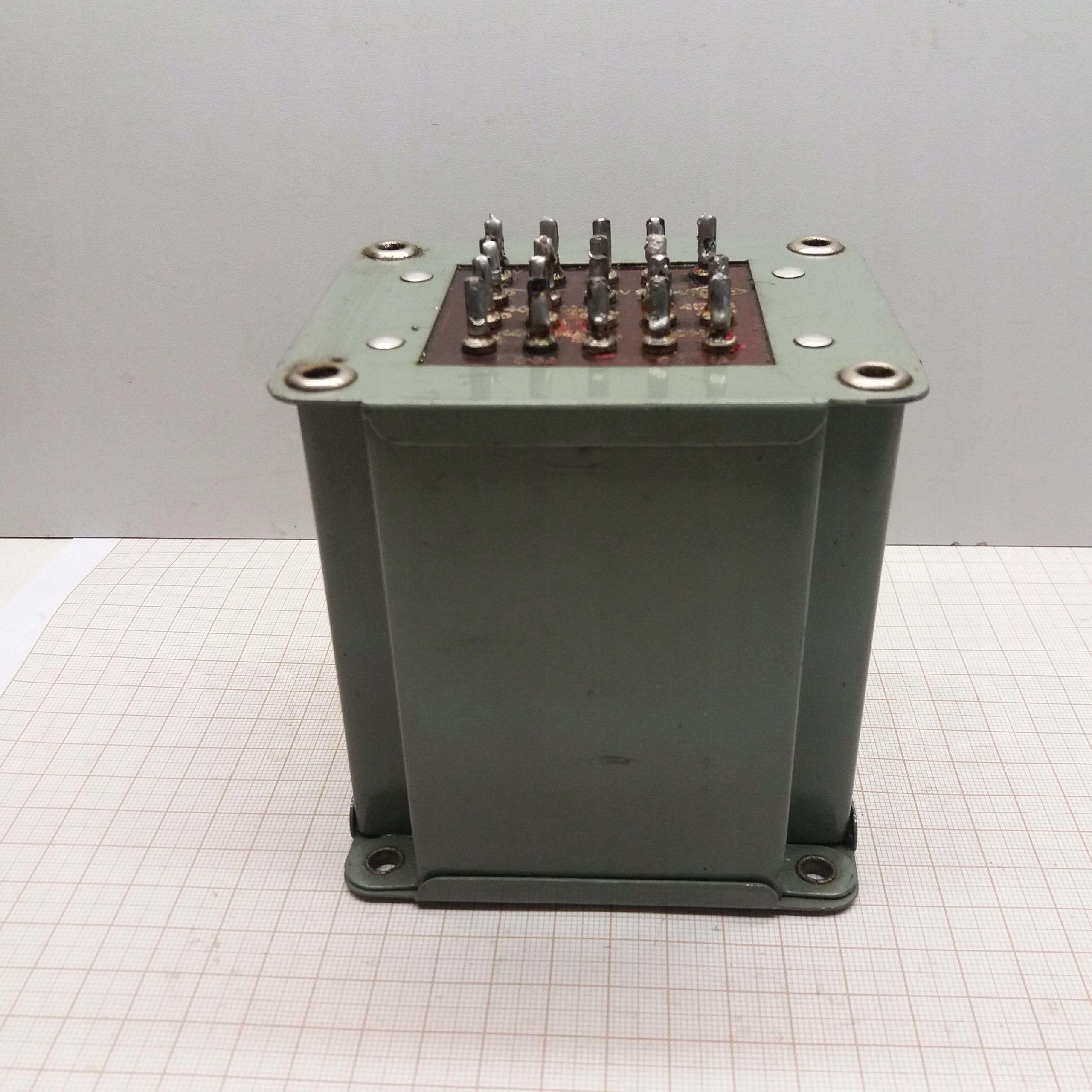 Transformator U1-220V U2-4x200V/40V/2x3,15V/6,3V