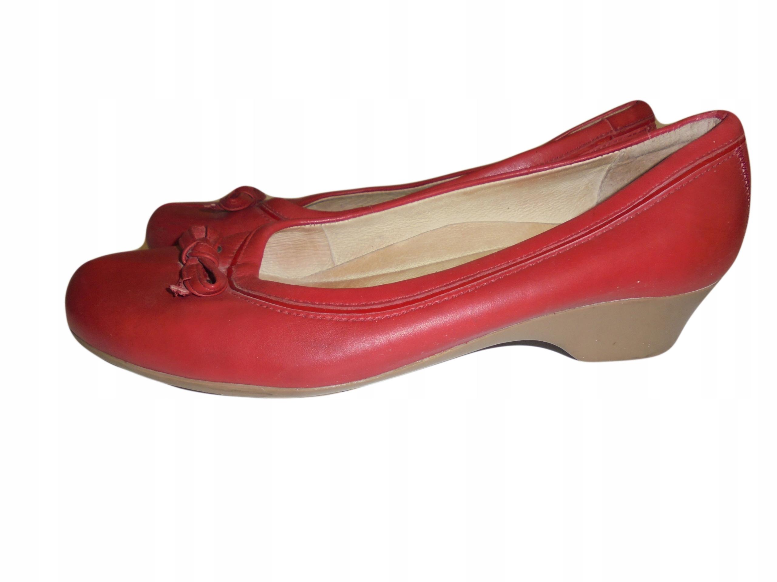 Skórzane buty firmy Clarks. Rozmiar 40.