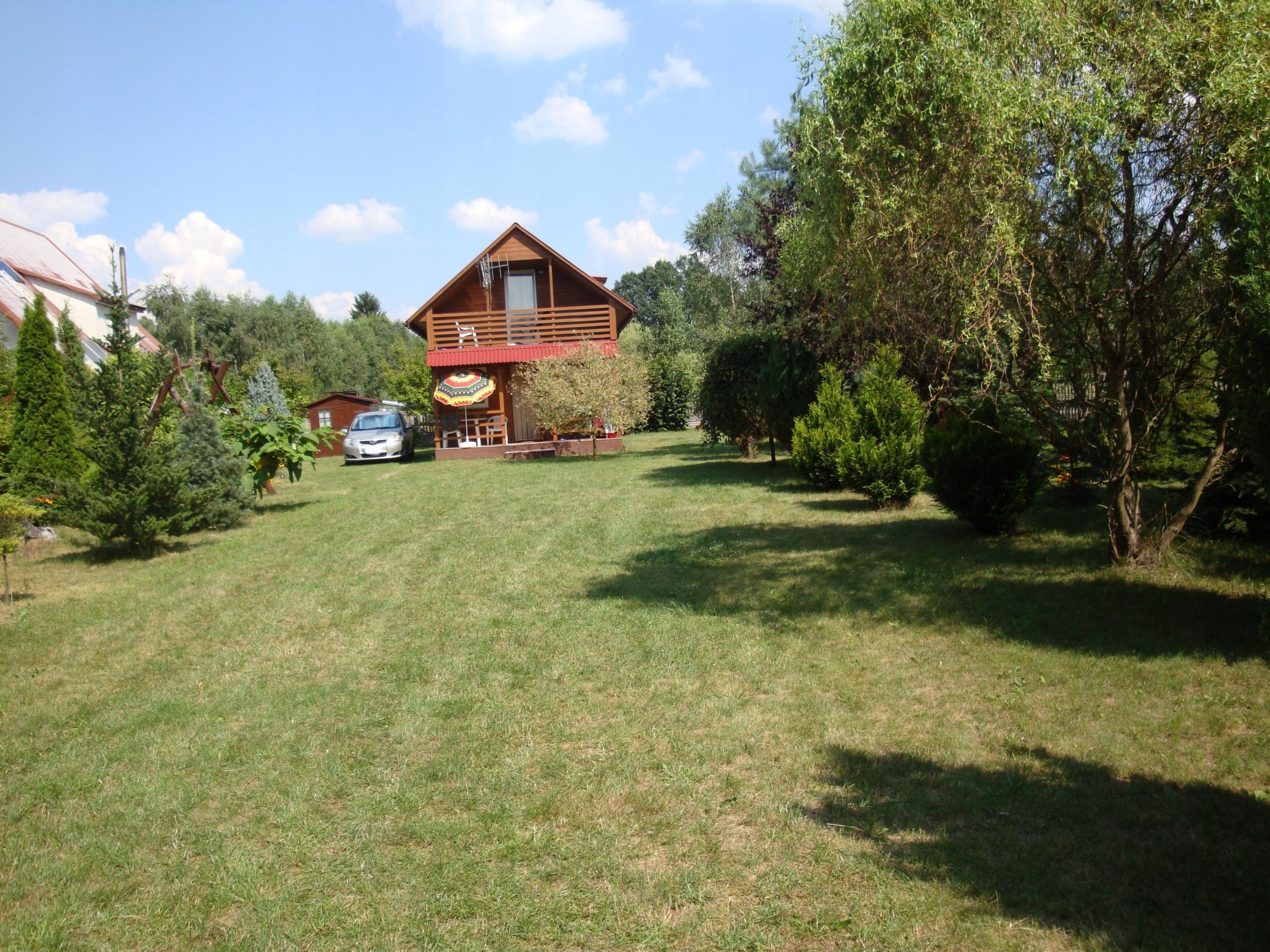 Atrakcyjna działka rekreacyjna z domkiem nad rzeką