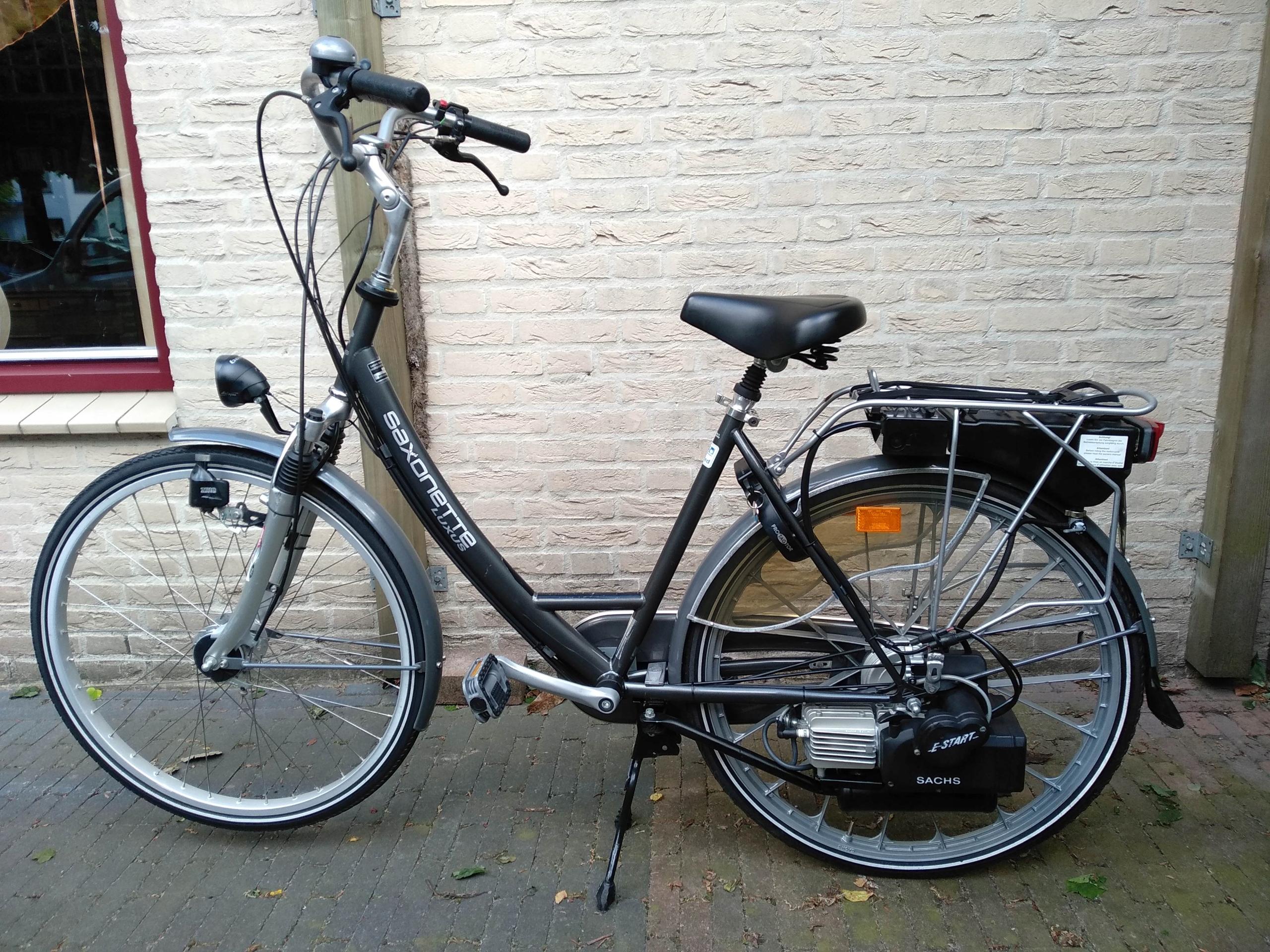 Rower z silnikiem spalinowym saxonette