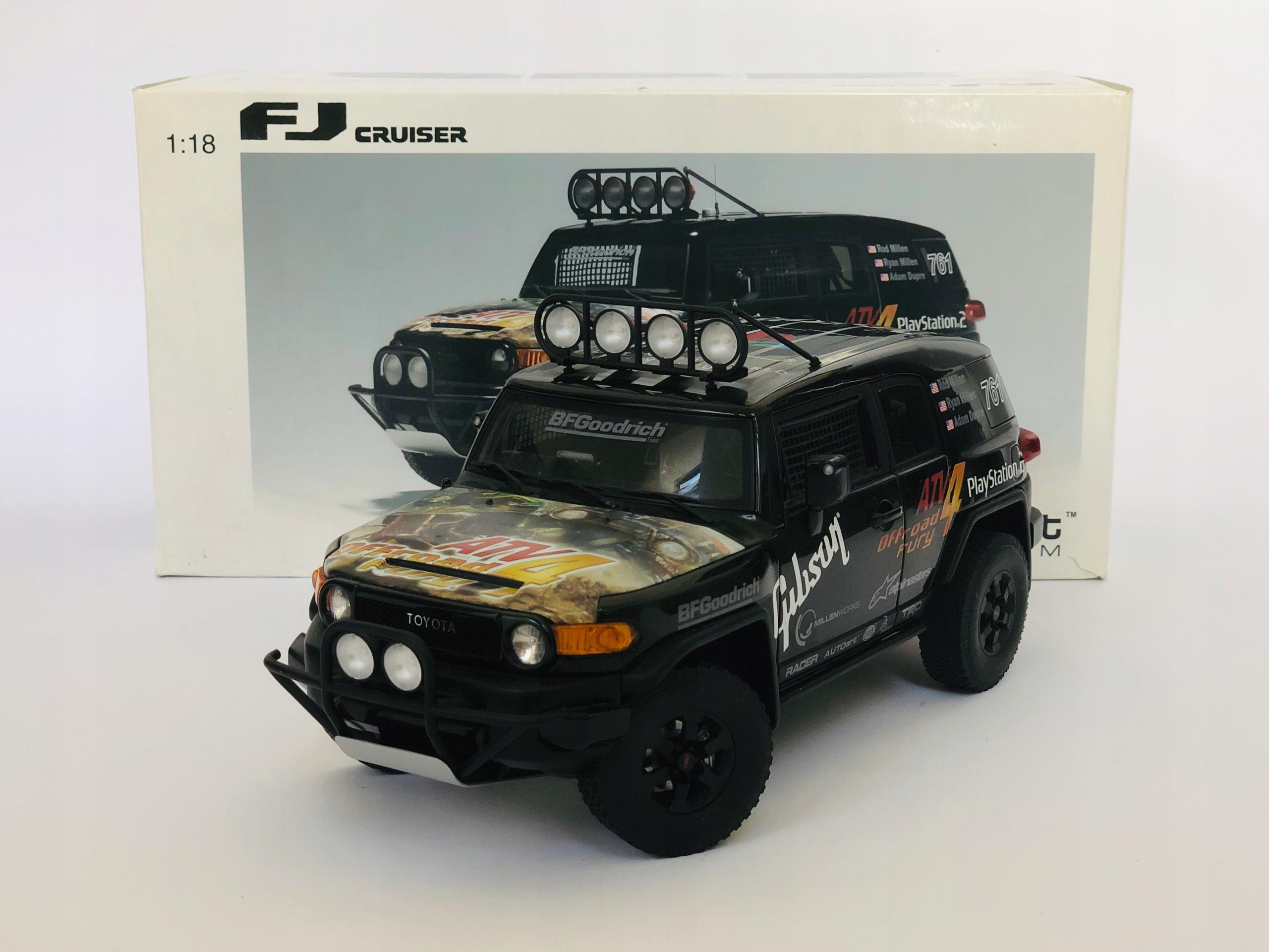 1:18 AUTOart Toyota FJ CRUISER Game Version