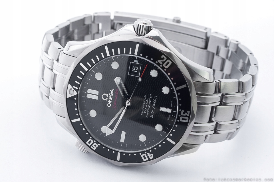 OMEGA SEAMASTER DIVER 300M CO-AXIAL COSC /BOX